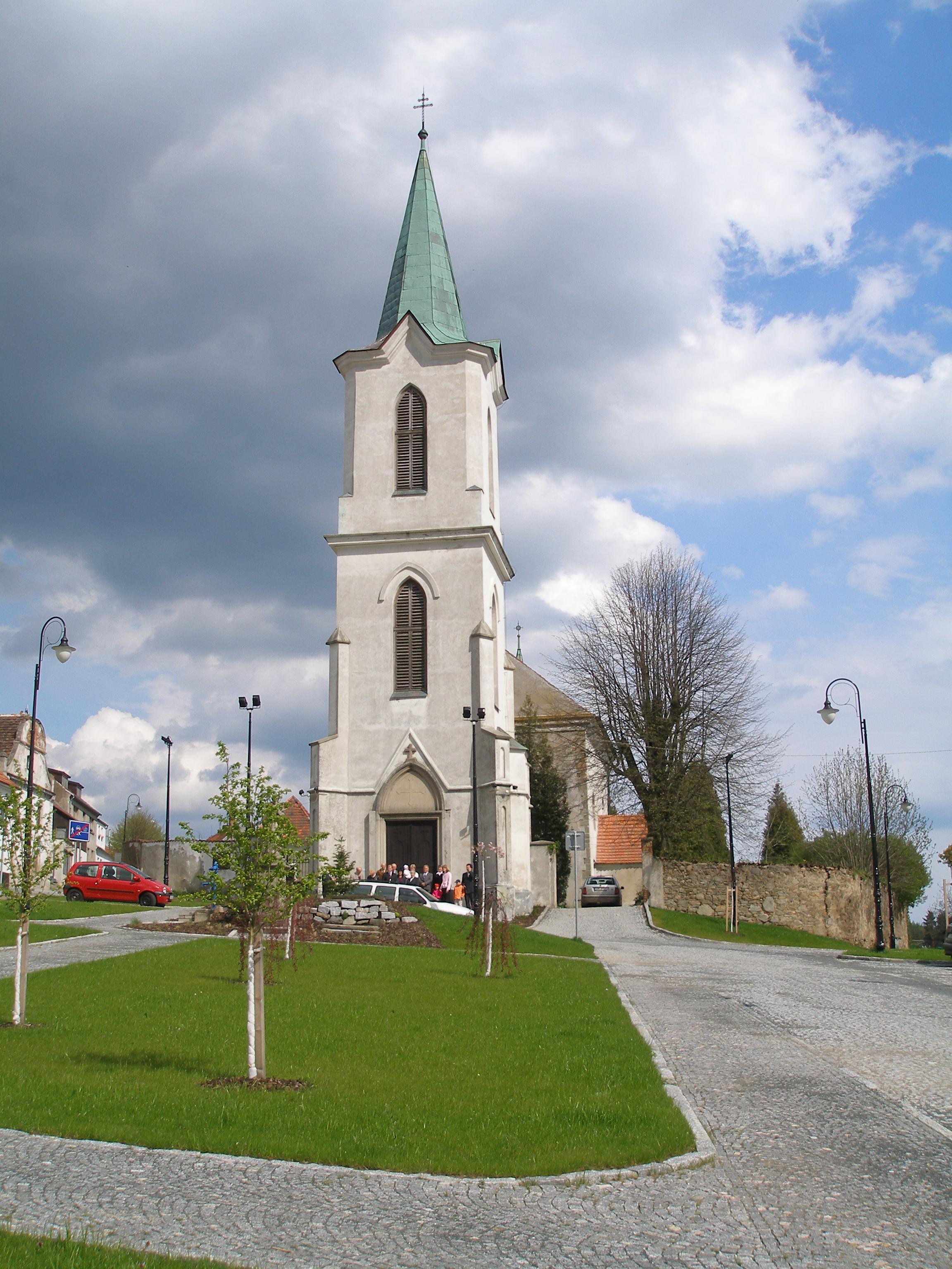 kostel sv. Petra a Pavla v Bělčicích
