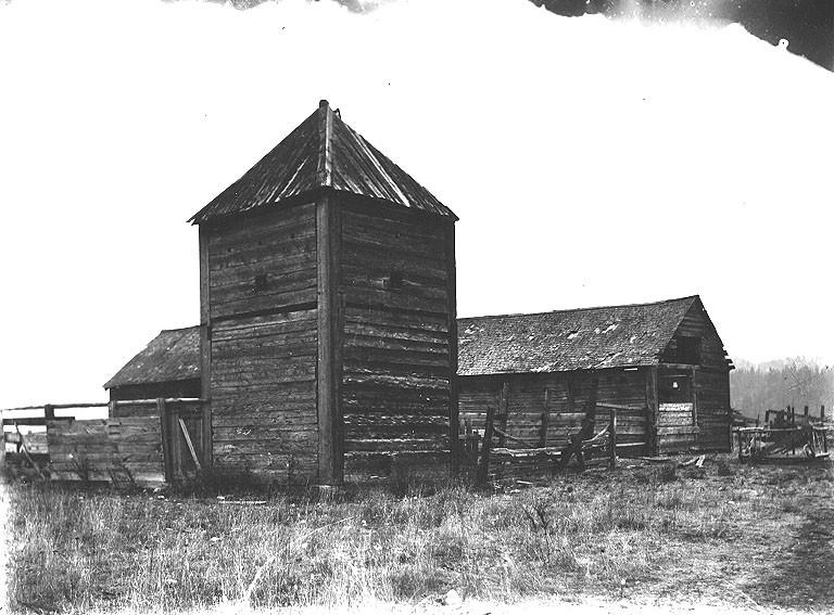 File:Blockhouse ruins, Fort Colville, Washington, ca 1910 (BAR 119).jpeg