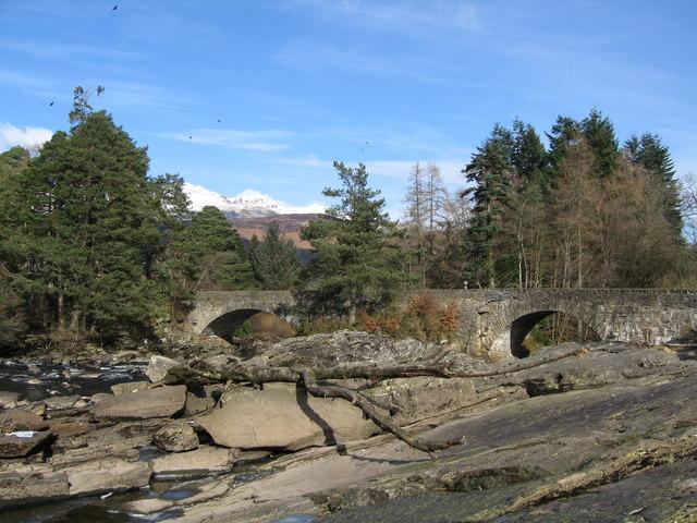 Bridge of Dochart, Killin - geograph.org.uk - 543331