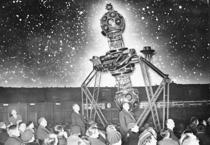 Bundesarchiv B 145 Bild-P018935, Berlin, Planetarium.jpg