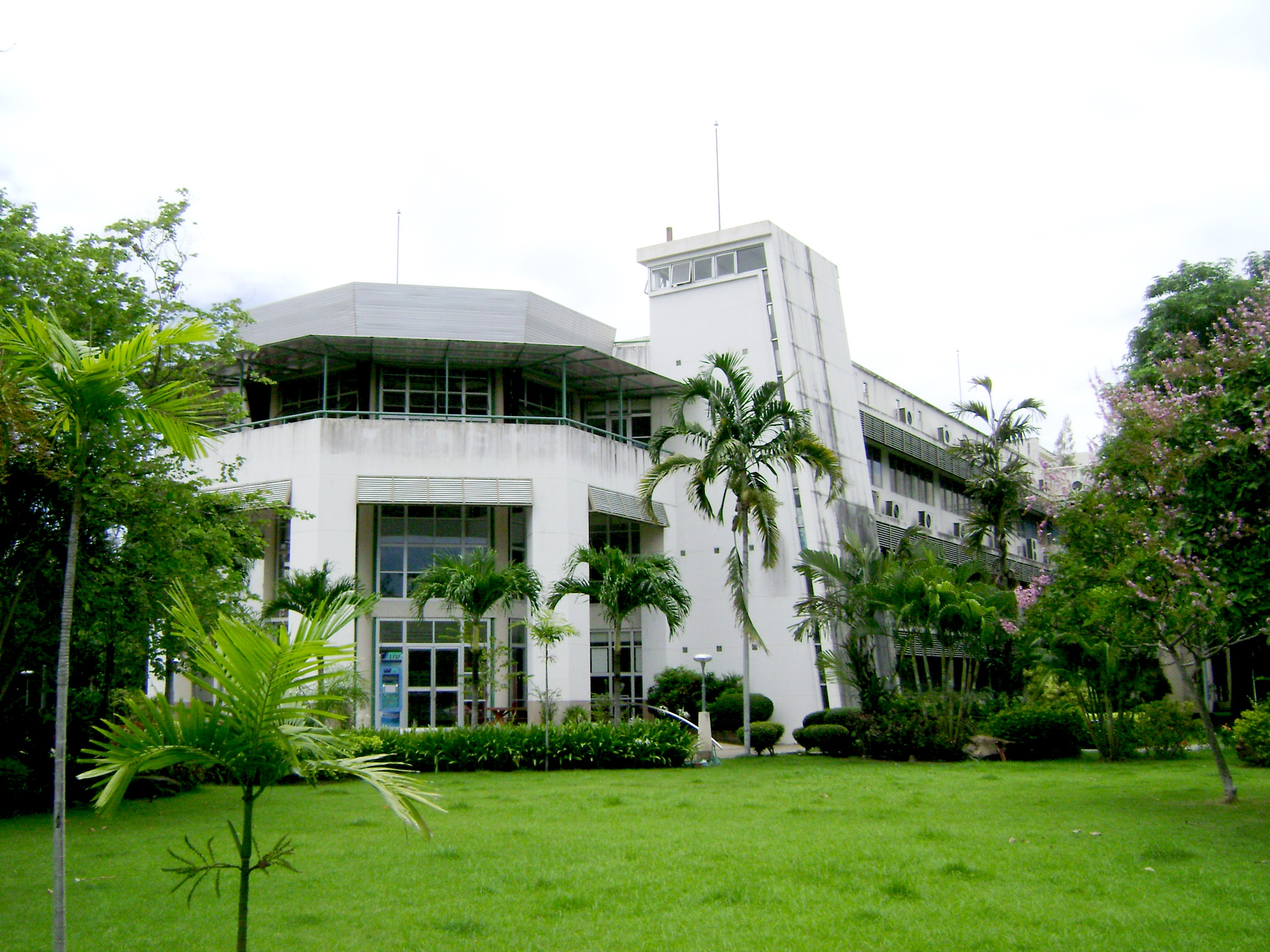 thesis online silpakorn university Sexual harassment and verbal abuse during the freshmen welcoming ceremony of the faculty of painting, sculpture and graphic arts at silpakorn university have been reported by incoming students.