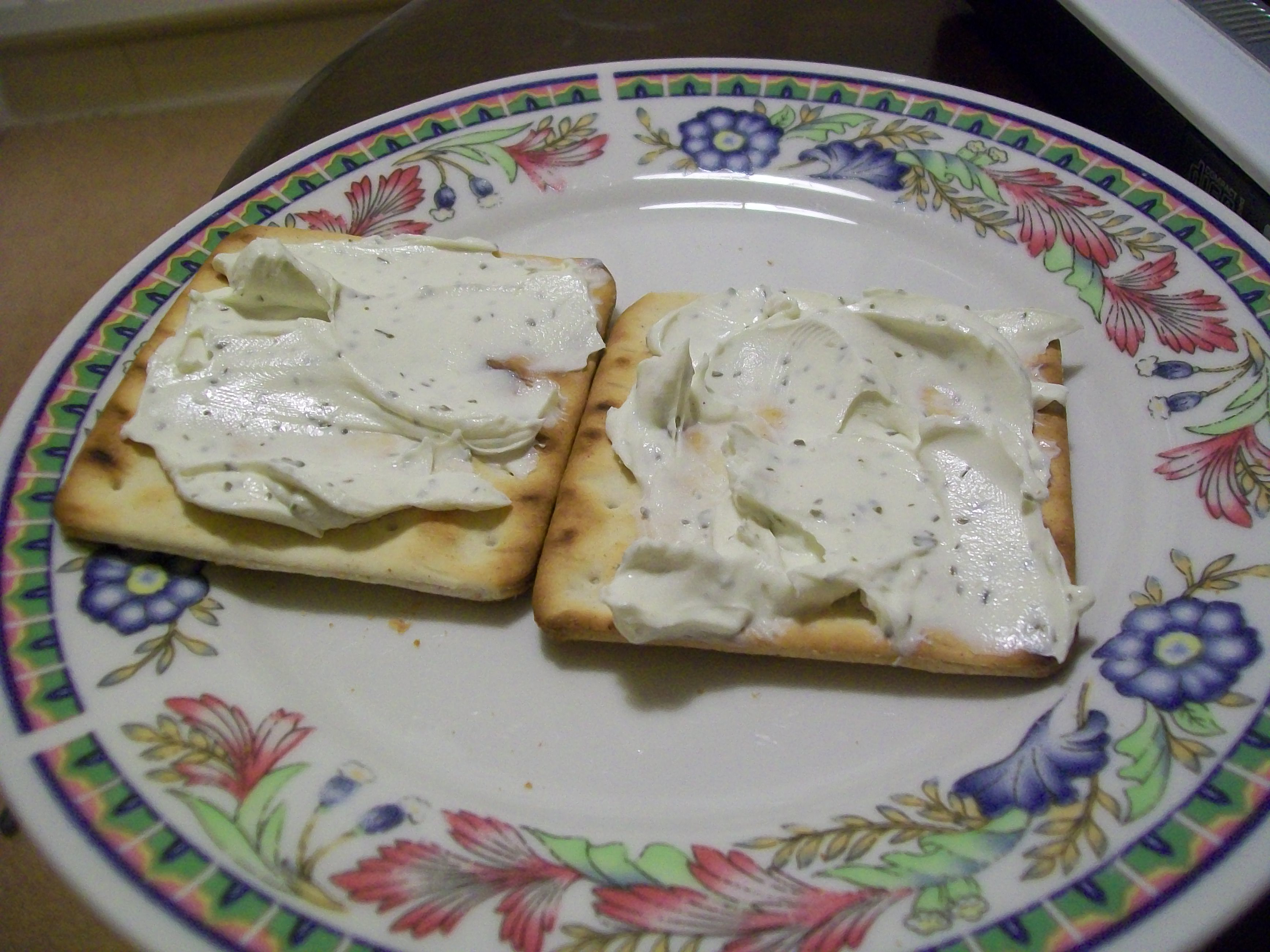 Cream Crackers With Cheese