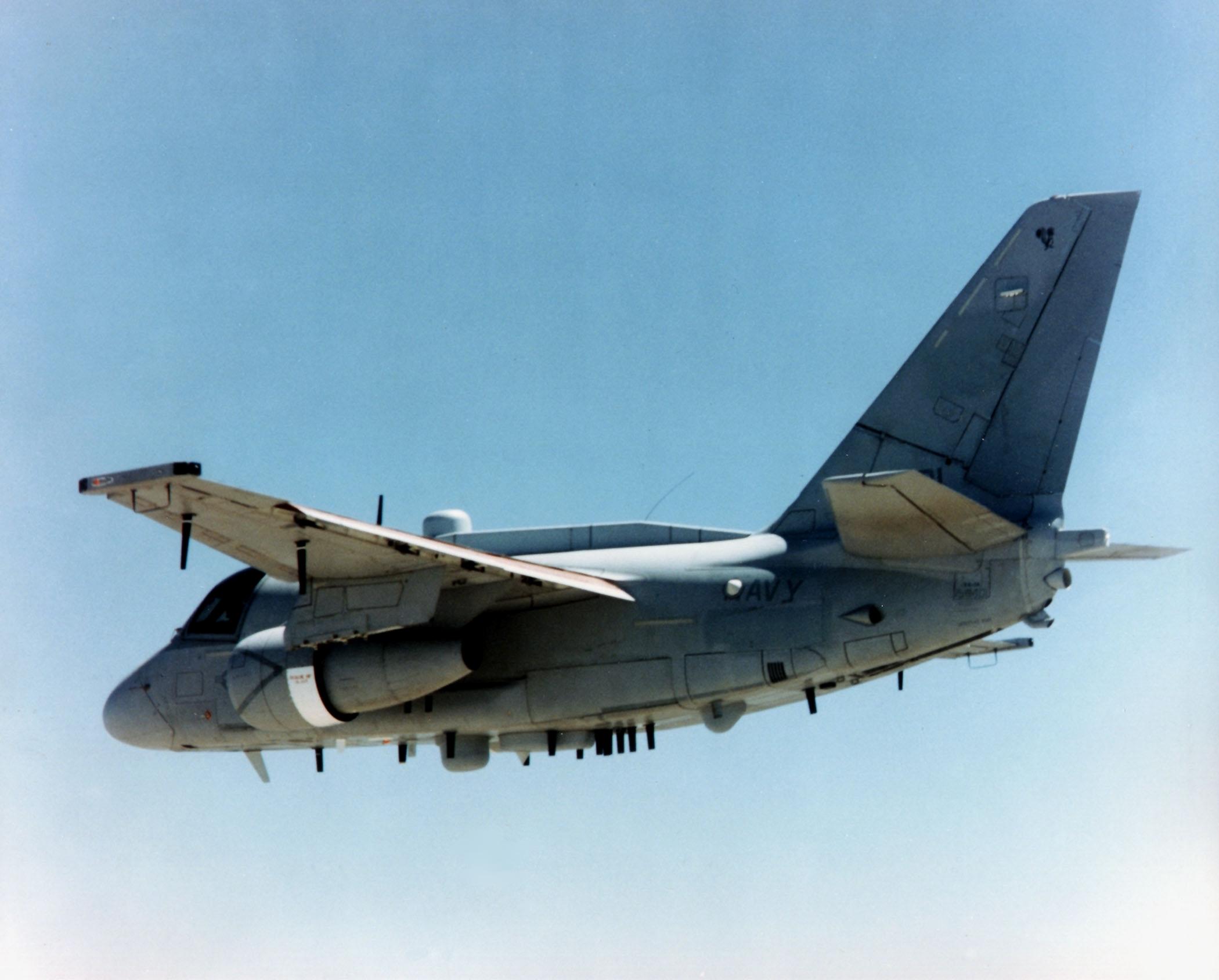 ES-3A_Shadow_VQ-6_in_flight_off_Florida.