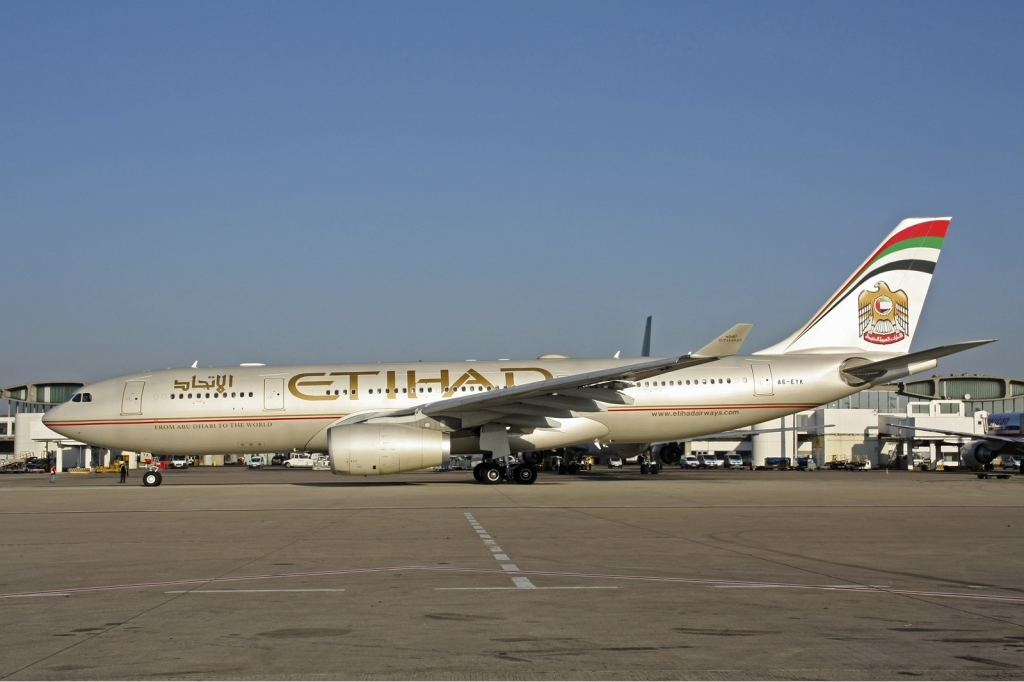 news etihad airways celebrates 1st year of edinburgh