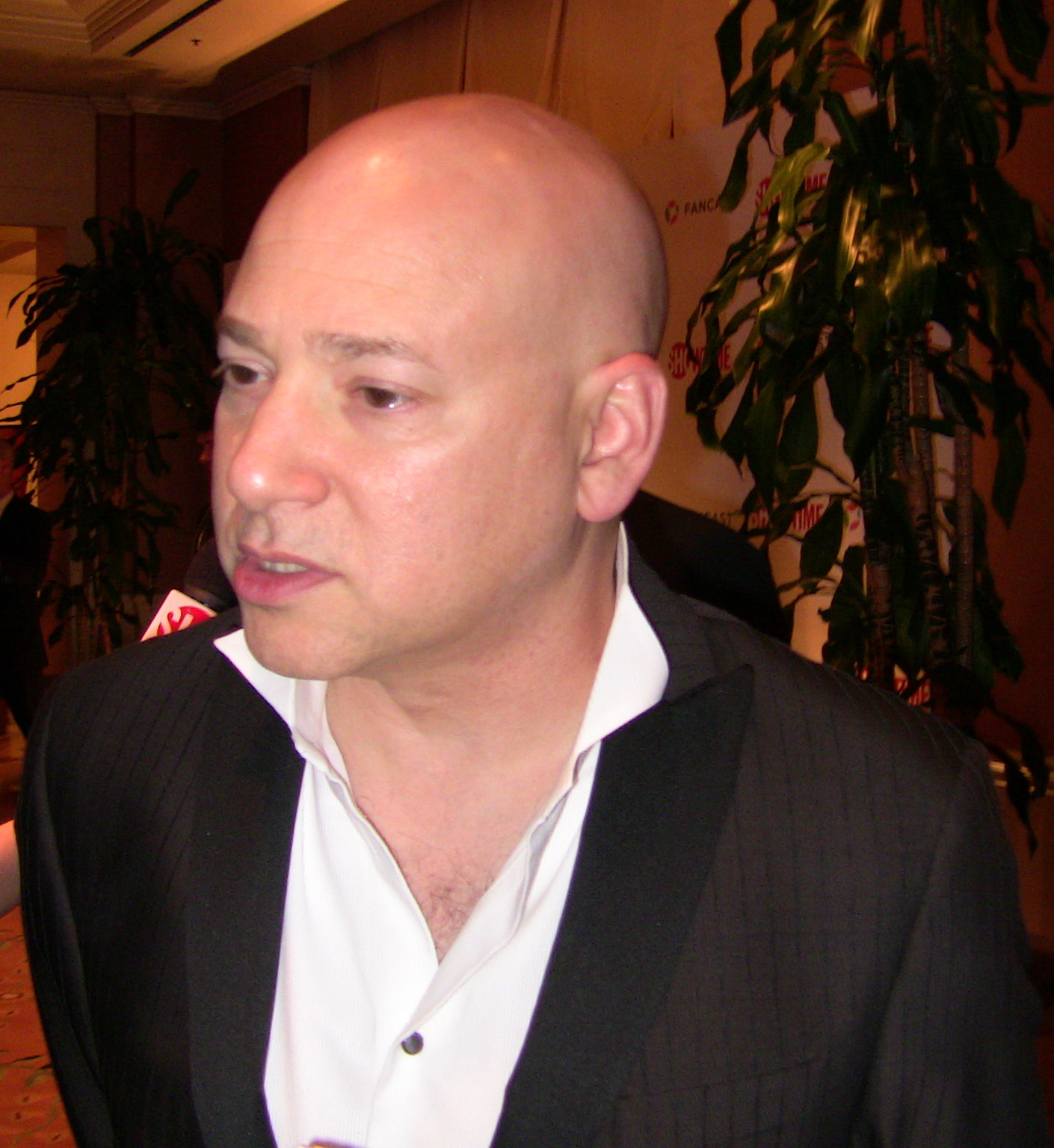 The 57-year old son of father Murry Handler and mother Enid Handler Evan Handler in 2018 photo. Evan Handler earned a  million dollar salary - leaving the net worth at 8 million in 2018