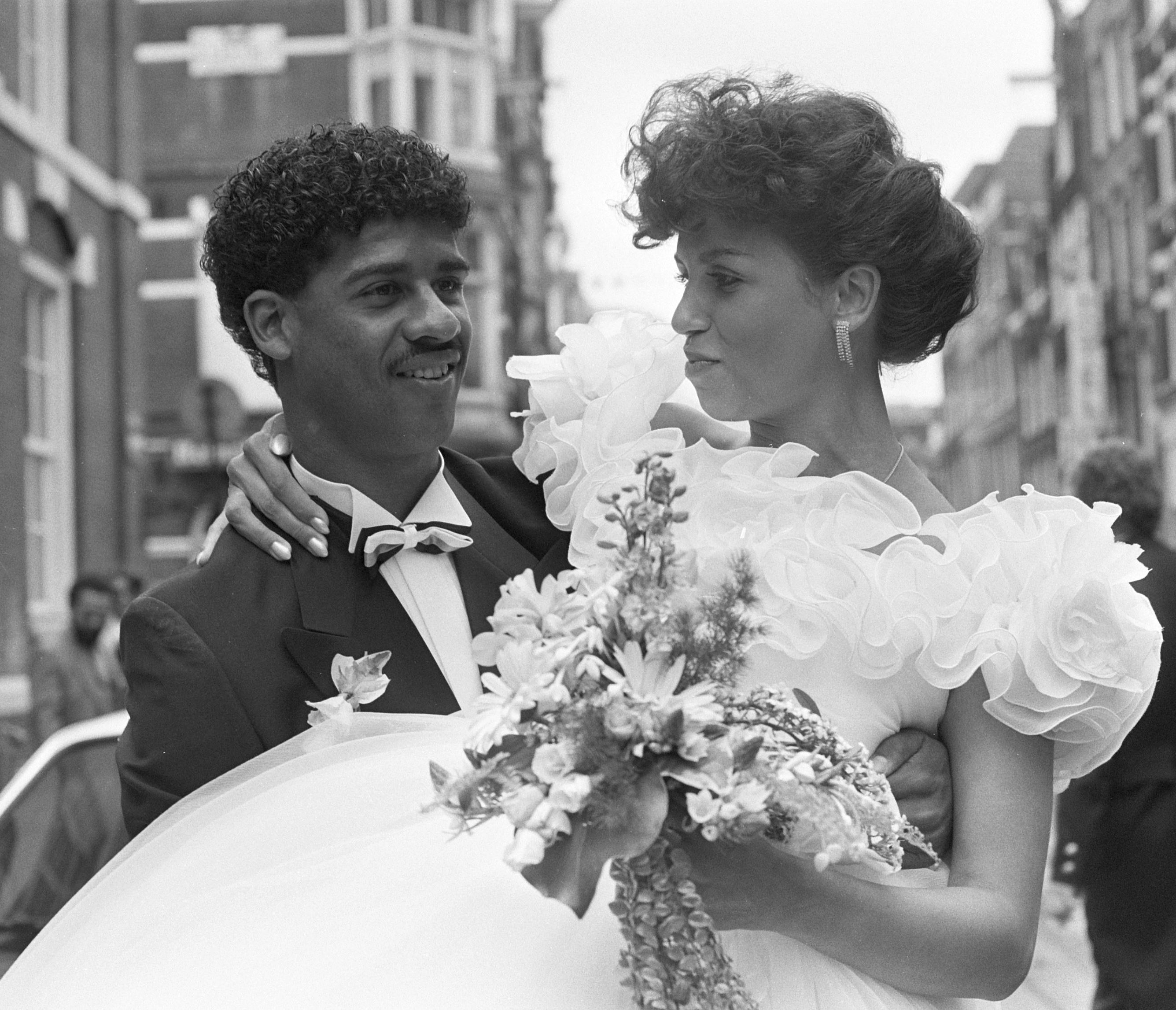 File Frank Rijkaard and Carmen Sandries 1985b Wikimedia mons