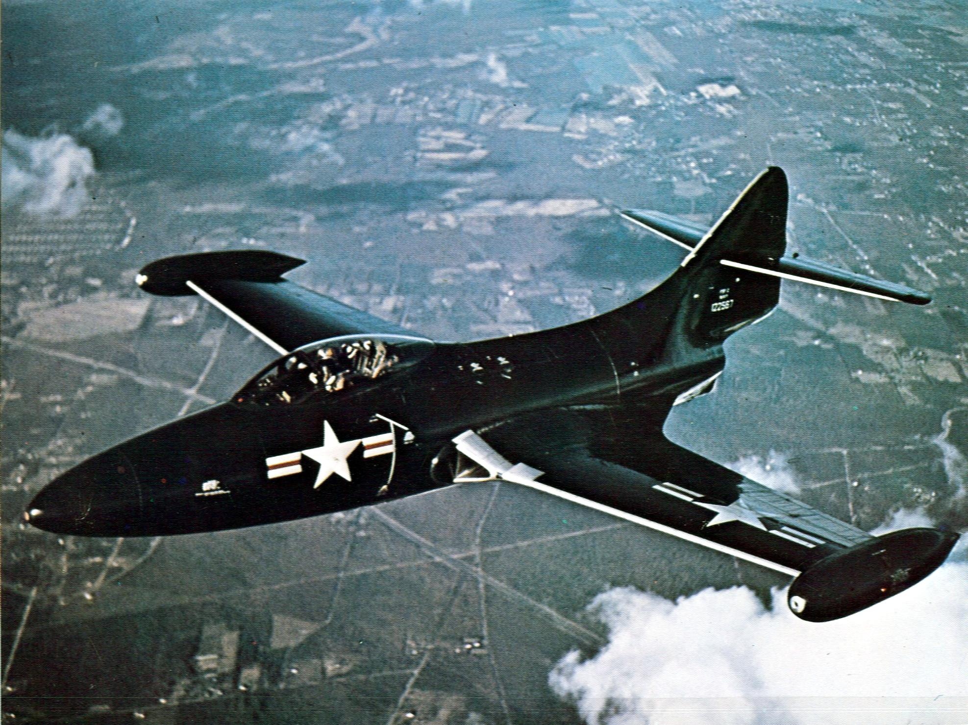 File:Grumman F9F-2 Panther in flight c1949.jpg - Wikimedia Commons