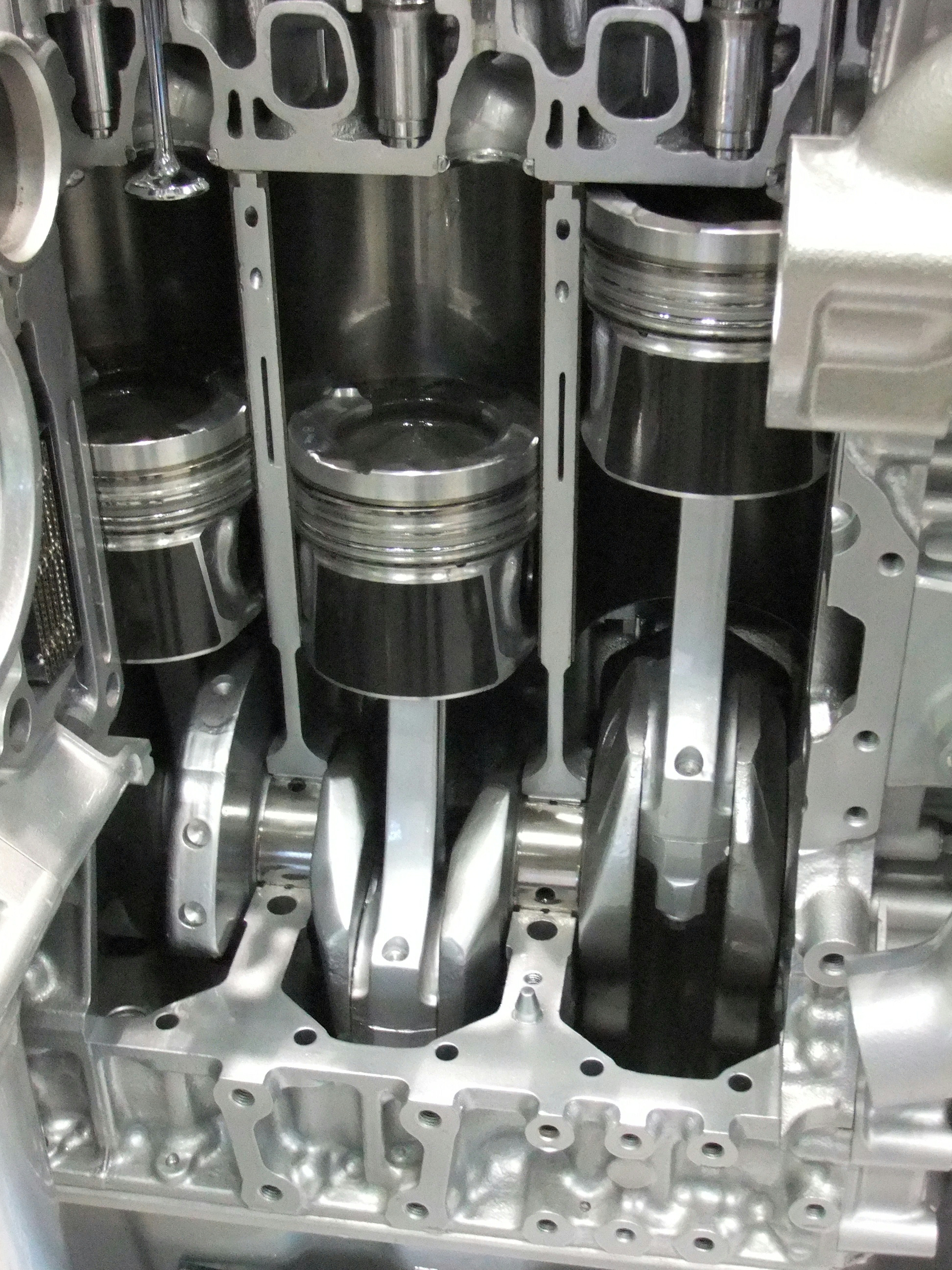 File Internal Combustion Engine Pistons Of Partial Cross