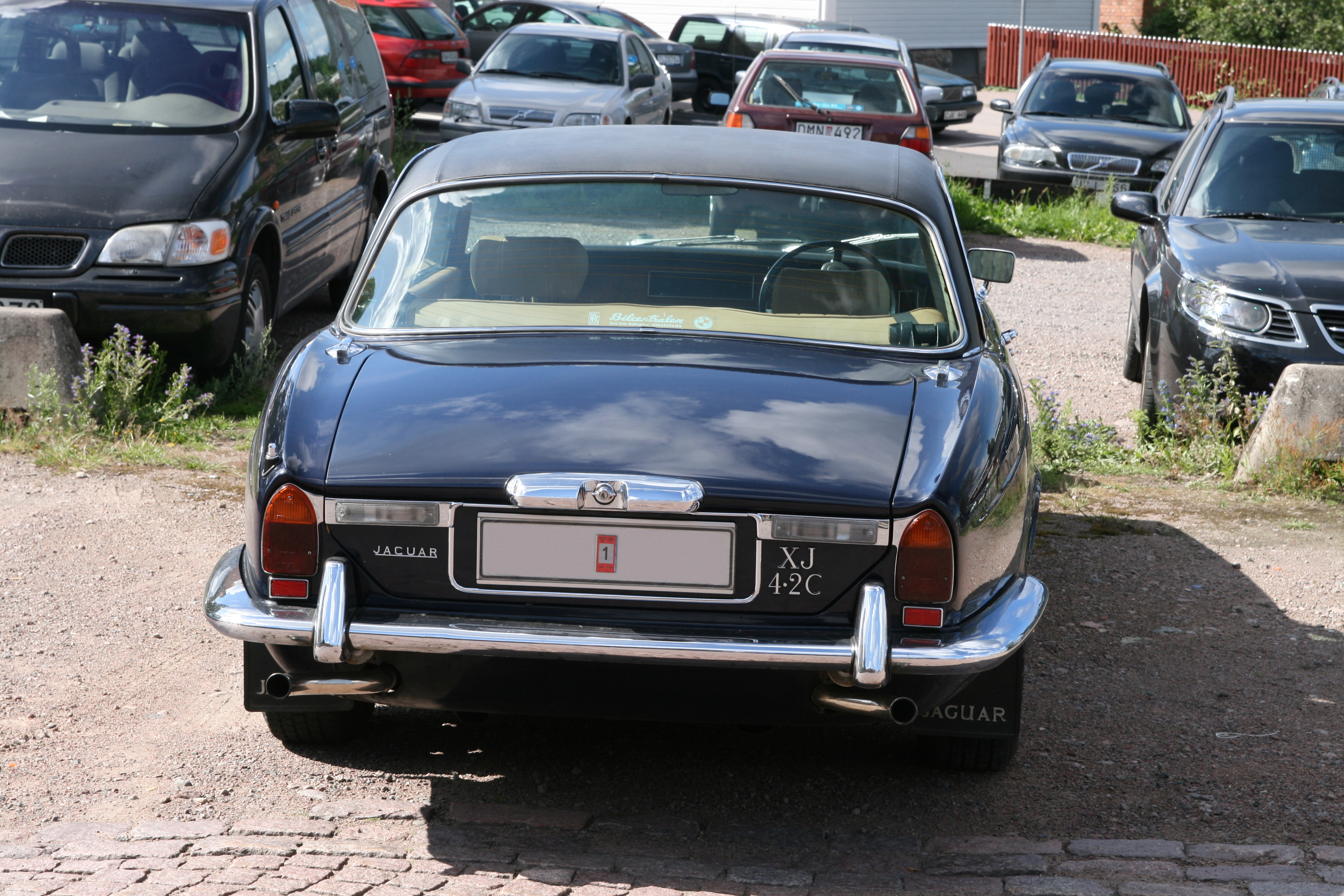 filejaguar xj 42c 1975 rearjpg