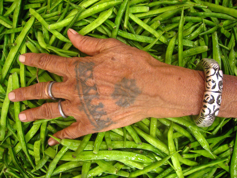 File:Jaipuri tribal hand tattoo.jpg