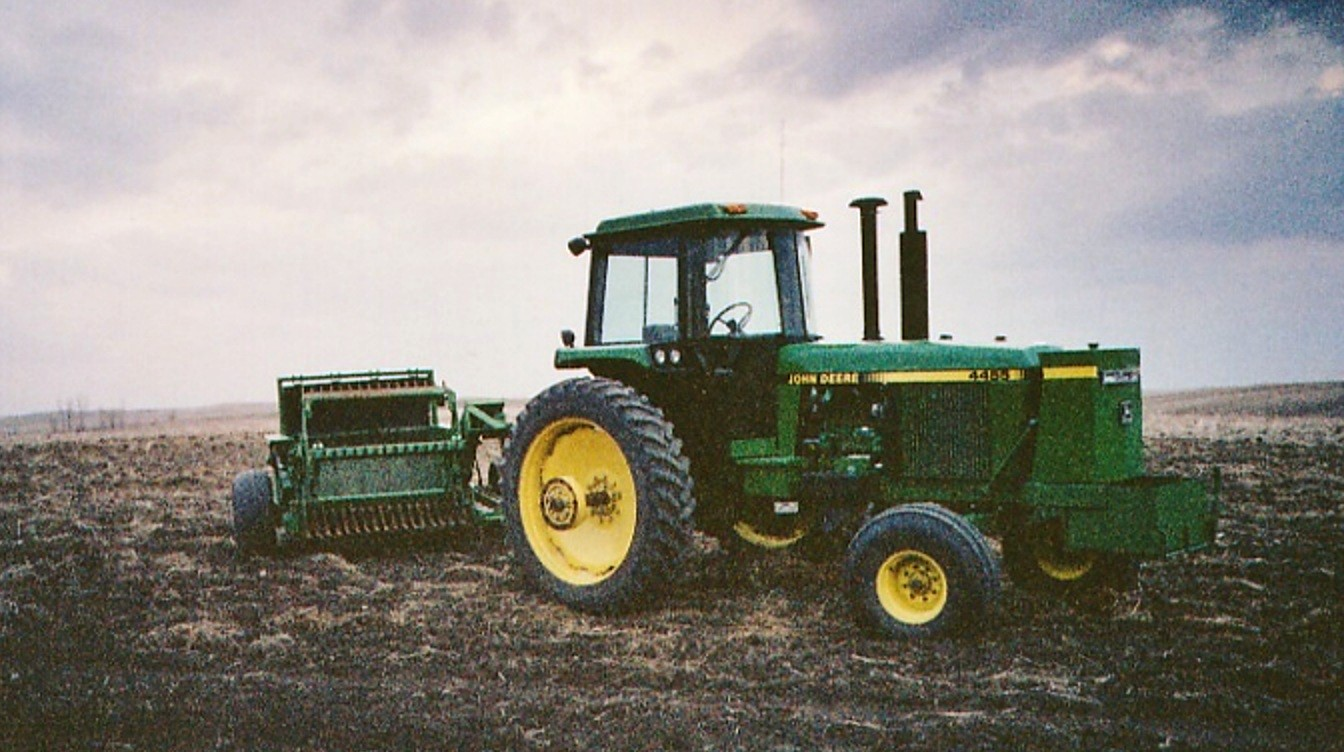 File John Deere 4455 Summers Rock Picker North Dakota 2