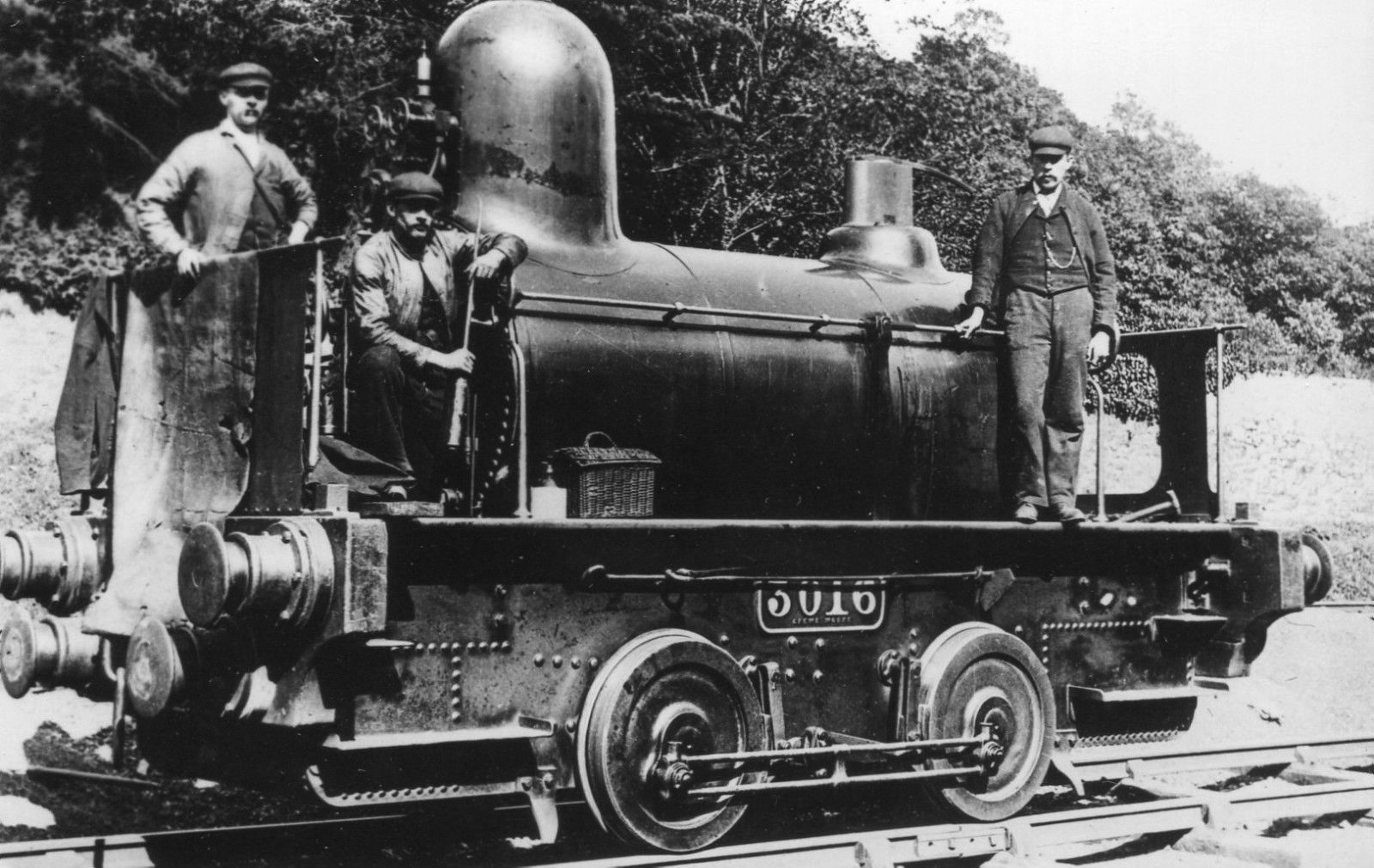 File:LNWR engine No.3016, 2360 Class.jpg