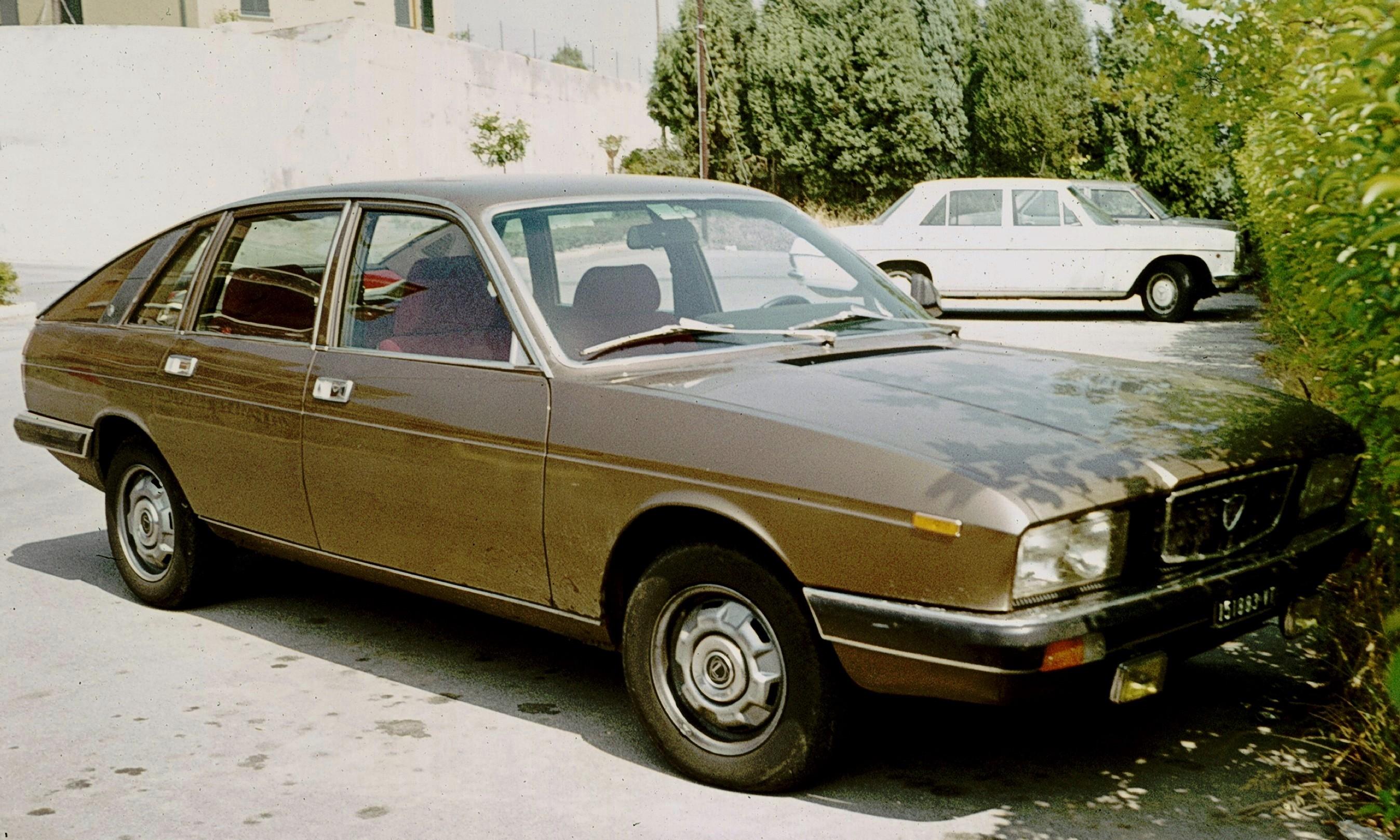 https://upload.wikimedia.org/wikipedia/commons/5/51/Lancia_Gamma_di_Viterbo.jpg