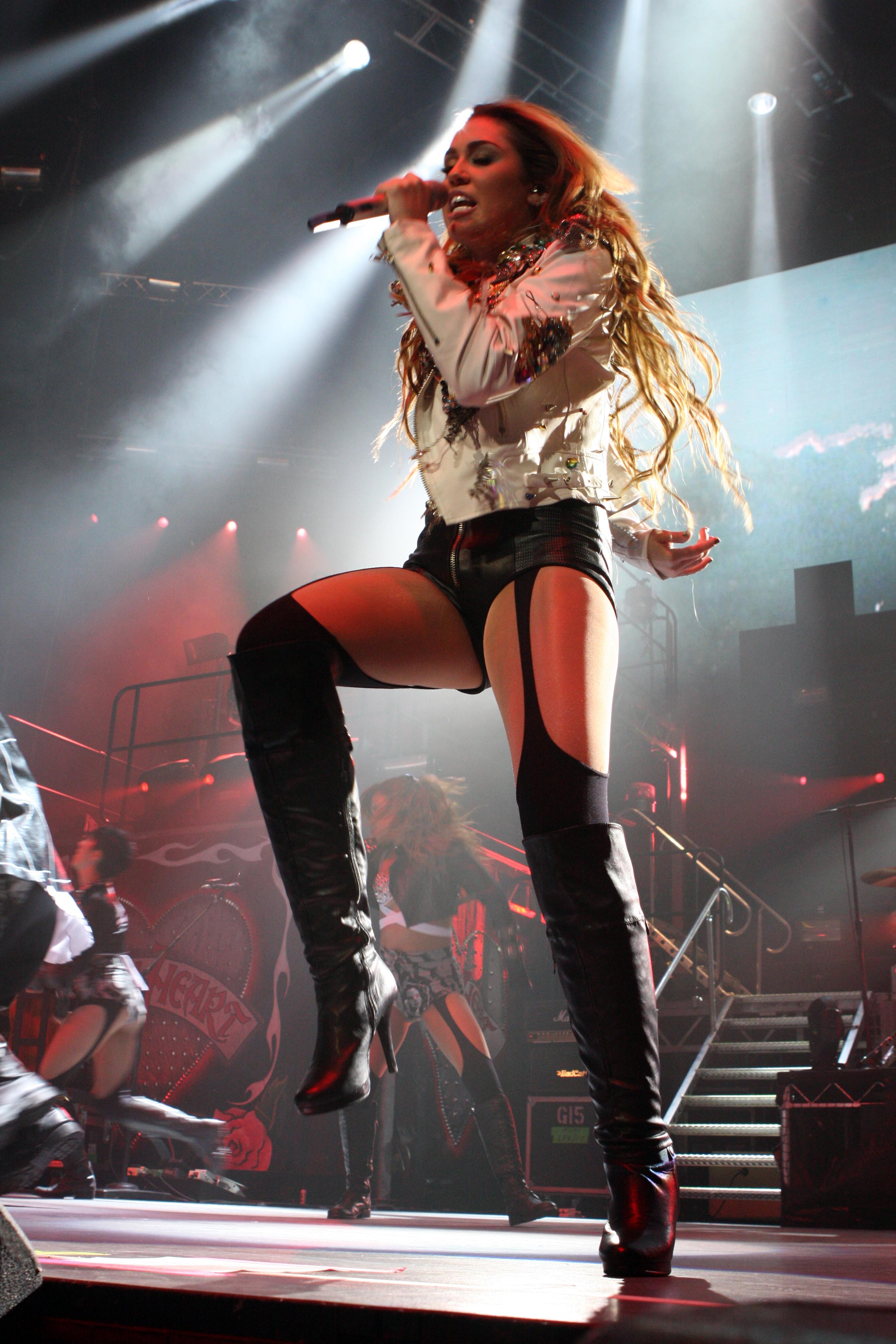 julie skyhigh boots