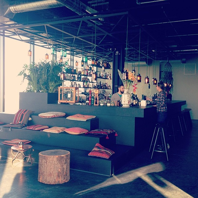 file monkey bar the rooftop bar at 25hours hotel bikini wikimedia commons. Black Bedroom Furniture Sets. Home Design Ideas