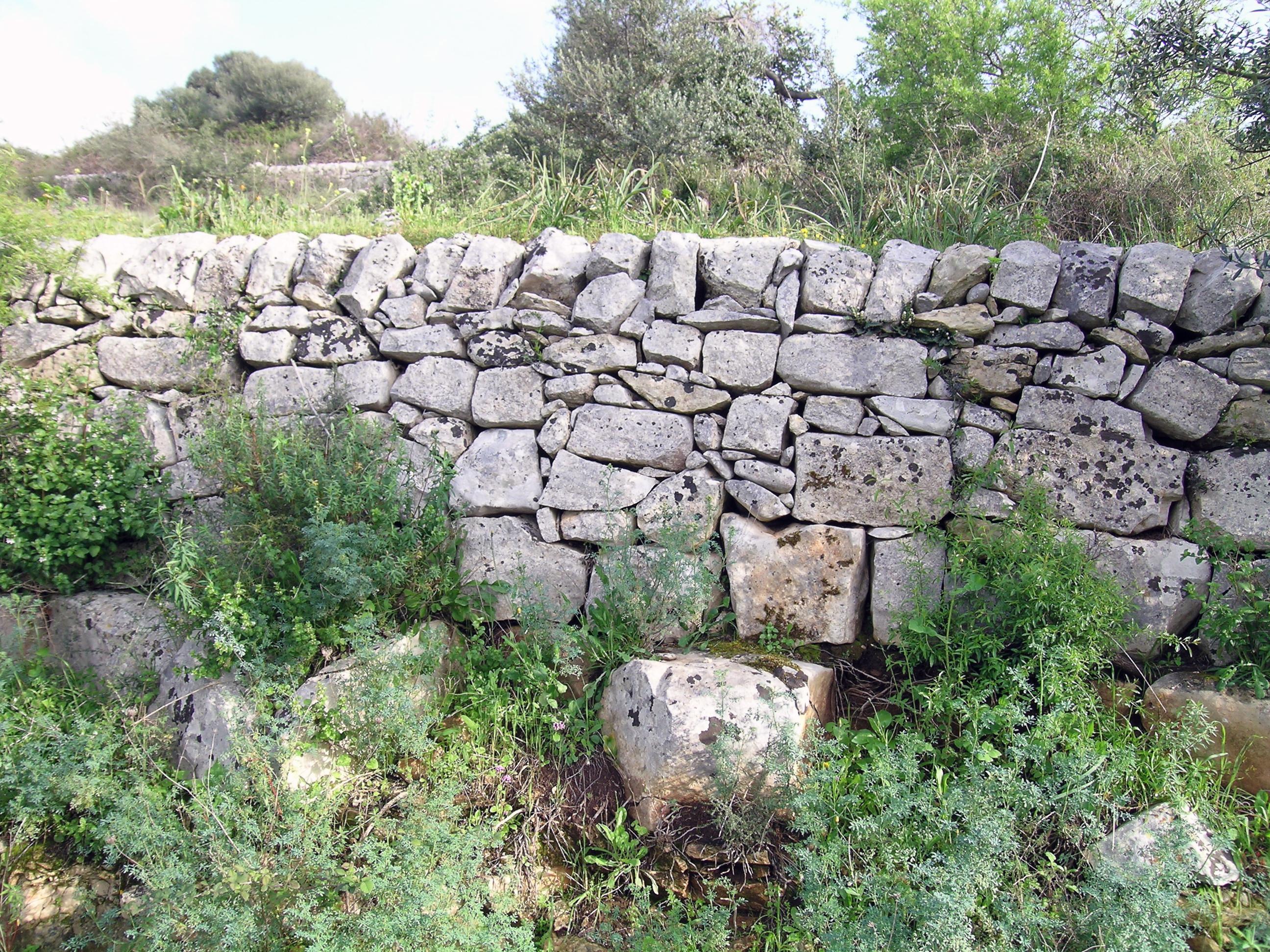 File muro a secco ragusa jpg wikipedia for Costo per costruire pilastri di pietra