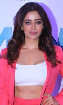 Neha Pendse in 2019 (cropped).jpg