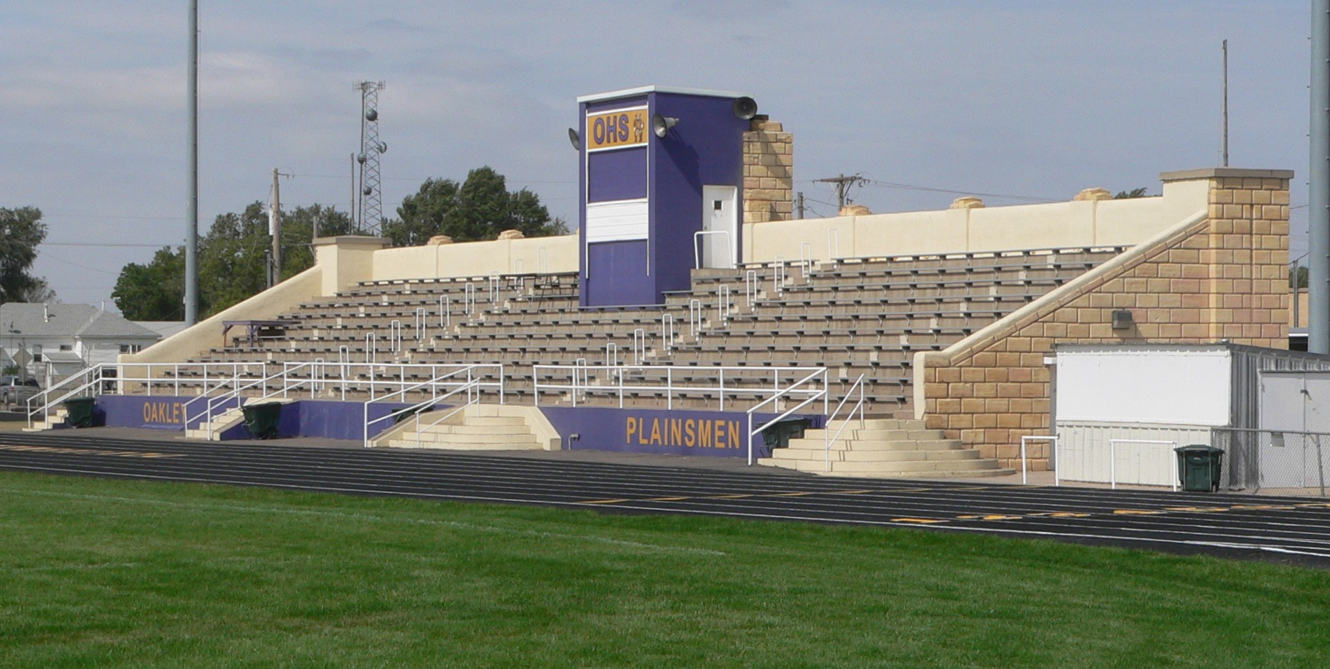 File:Oakley, KS high school stadium from SE 2.JPG ...