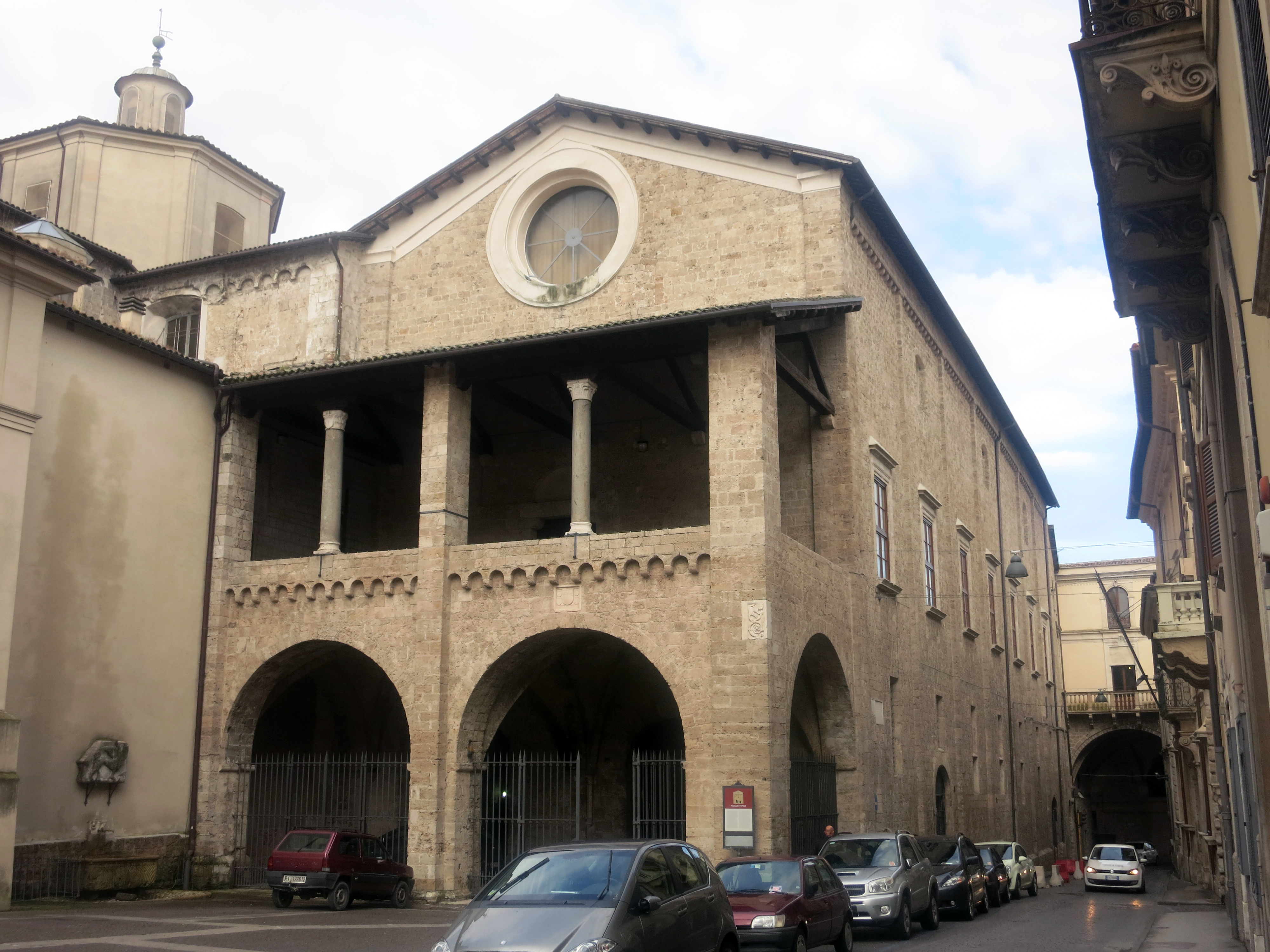 File palazzo vescovile rieti esterno 03 jpg - Pilozzo da esterno ...