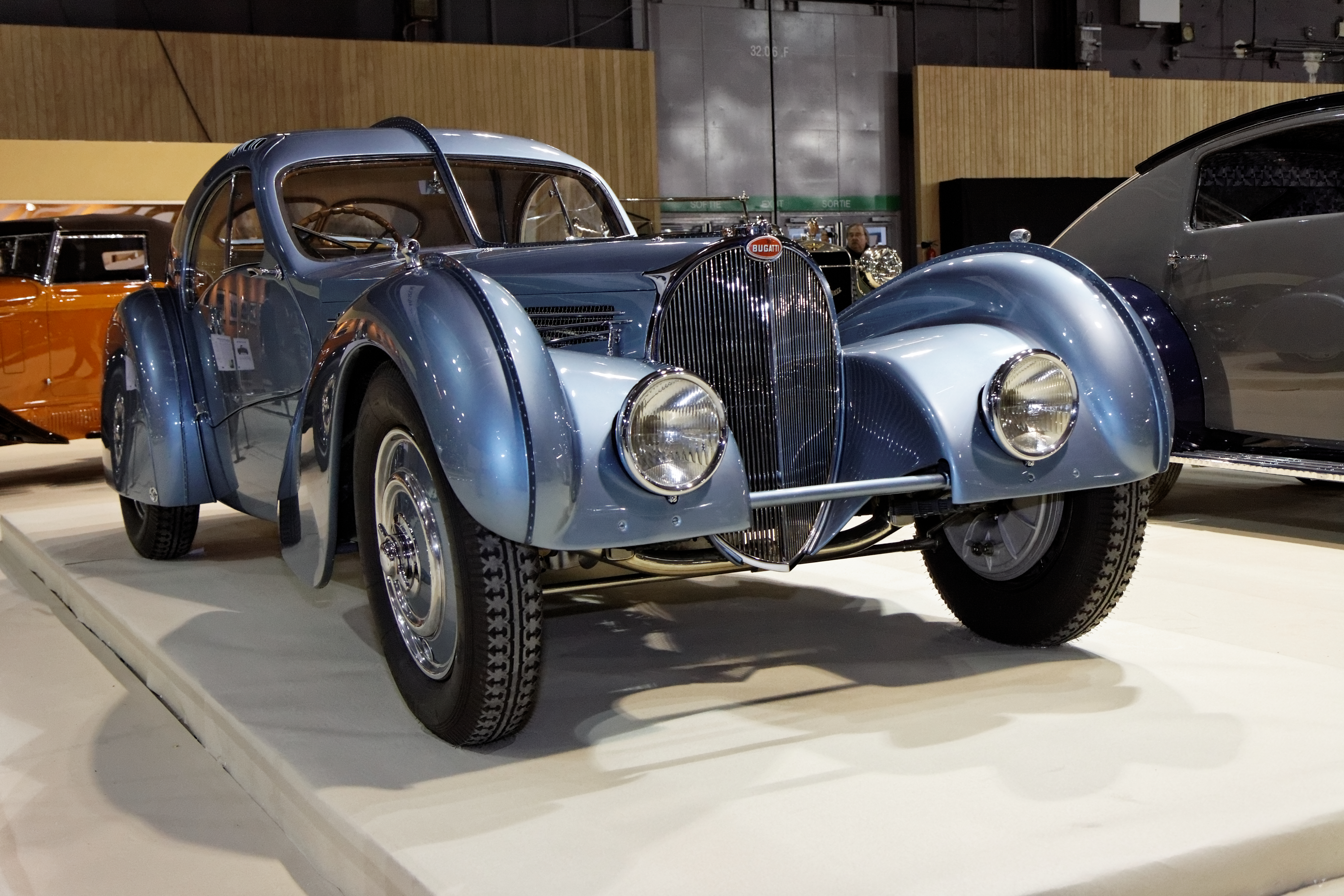 datei:paris - retromobile 2012 - bugatti type 57sc atlantic - 1936