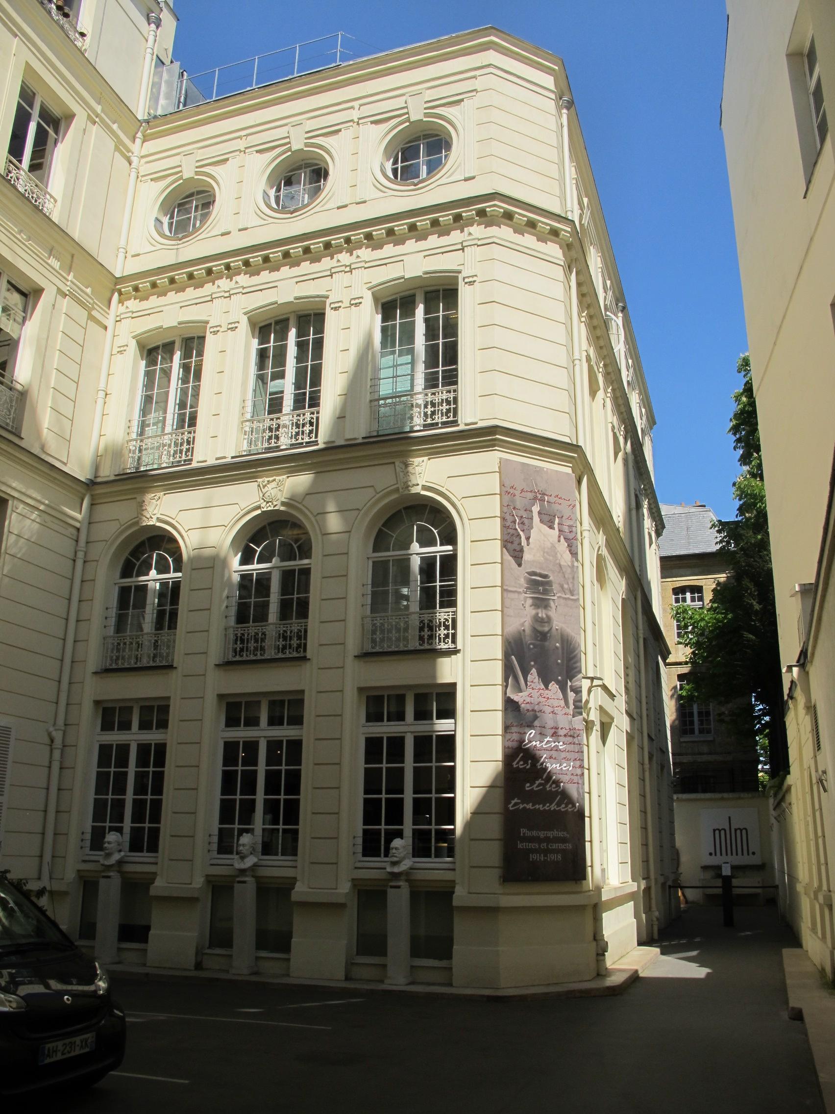 Paris 2014 lettres et manuscrits 03.jpg