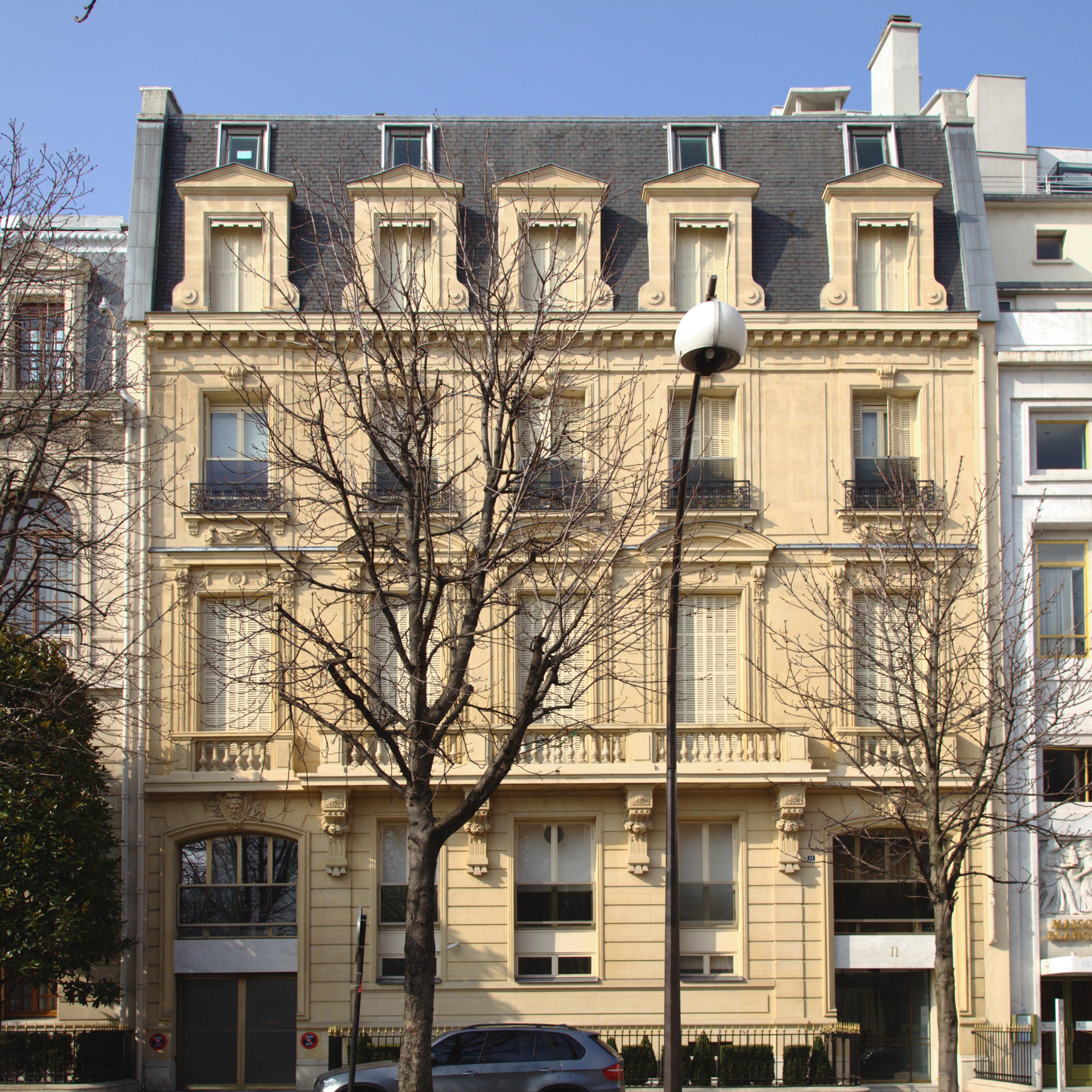 File paris avenue montaigne for Location hotel a paris