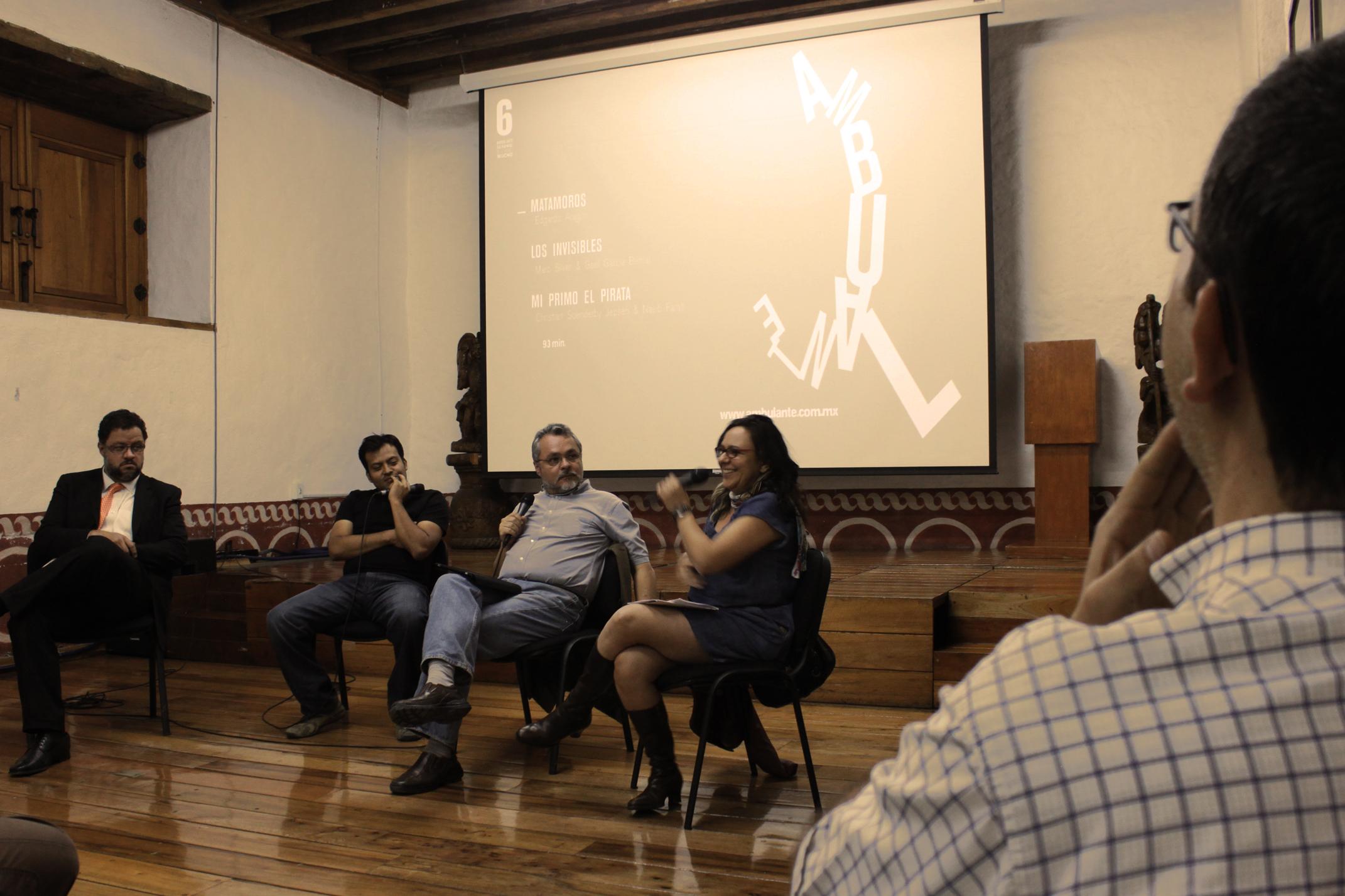 File:Participación en mesa redonda de Marco Lara Klahr, Marcela ...