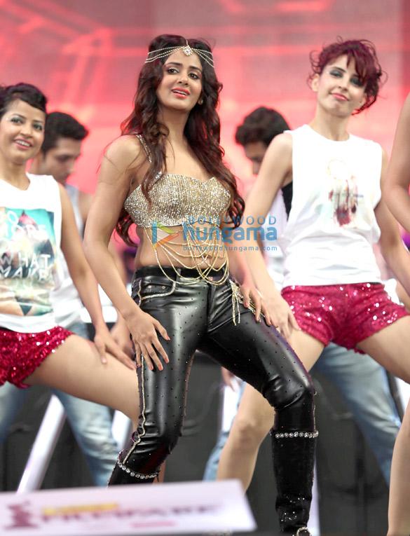 Parul Yadav In Jeans