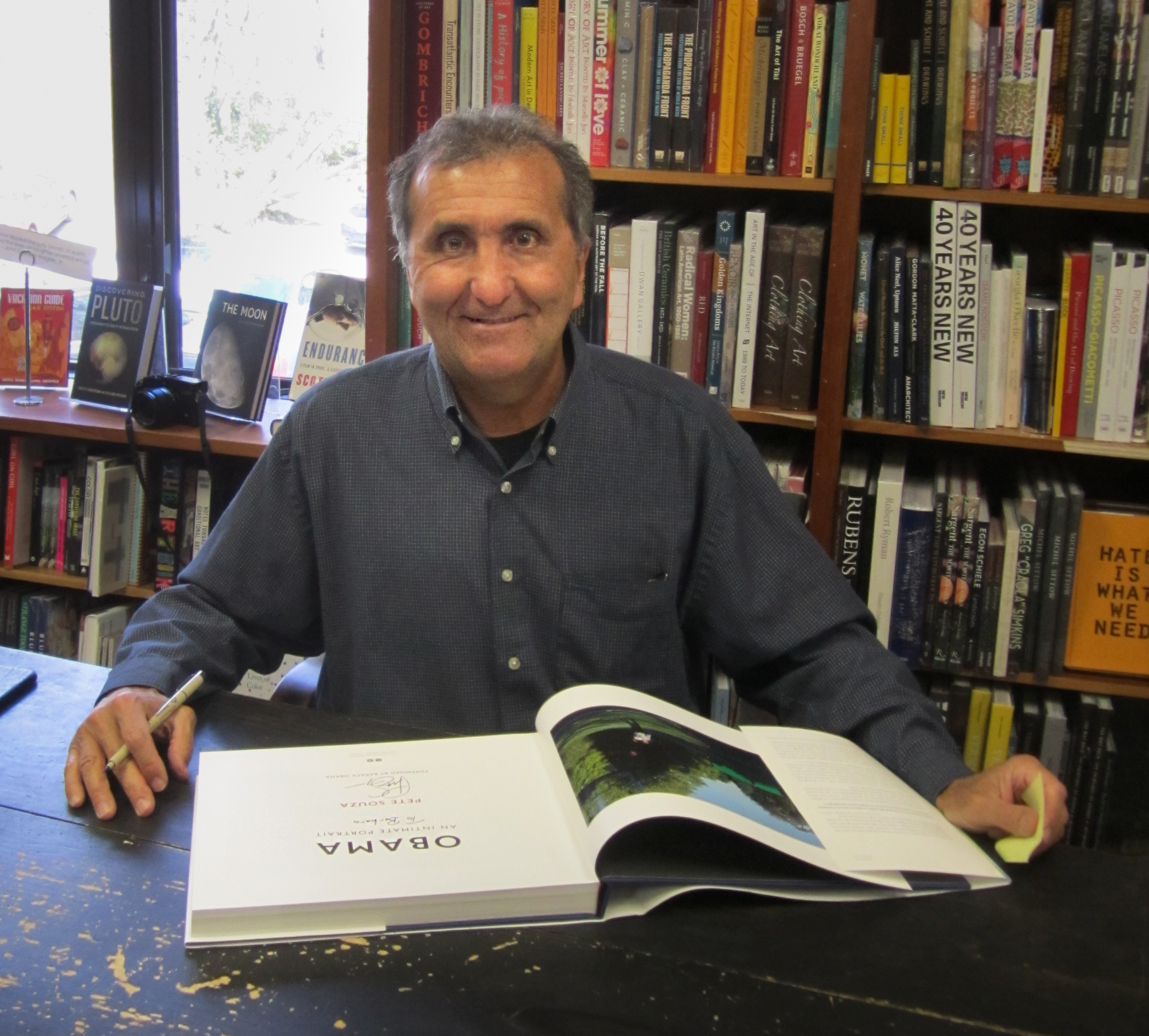 Image of Pete Souza from Wikidata