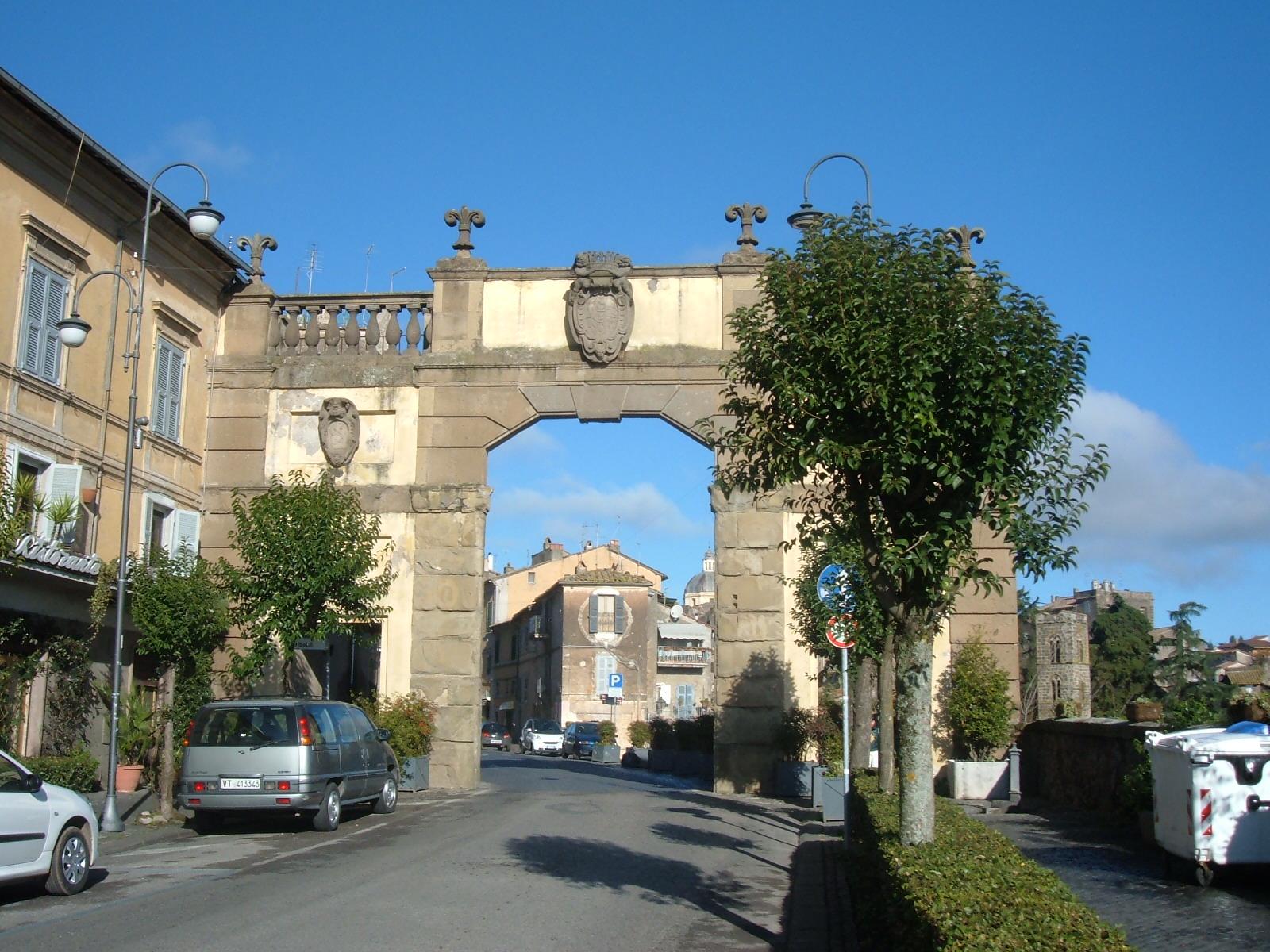 File Ronciglione Porta Romana Jpg Wikipedia