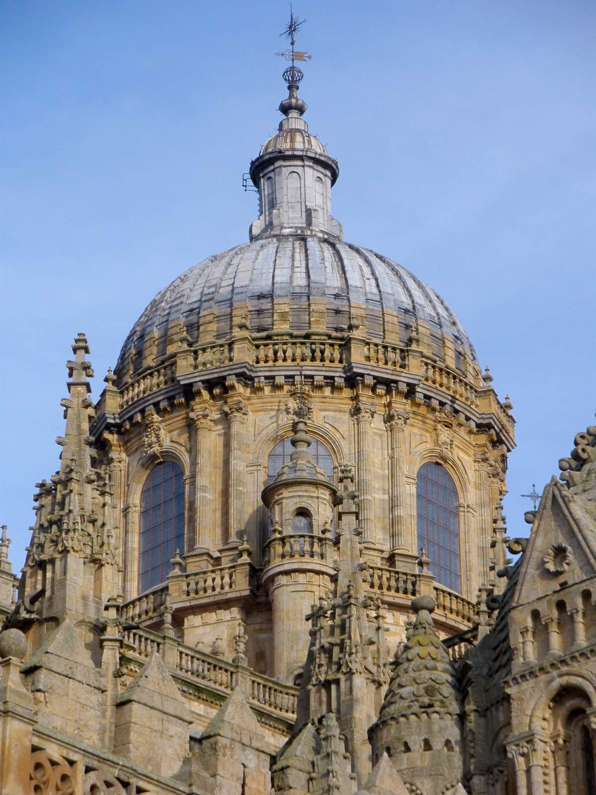 File:Salamanca - Catedral Nueva, exterior 14.jpg - Wikimedia Commons