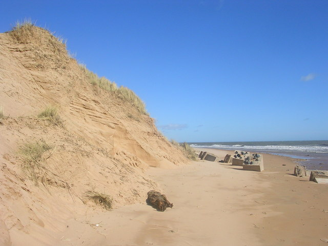 Sand dunes on Balmedie Beach.jpg