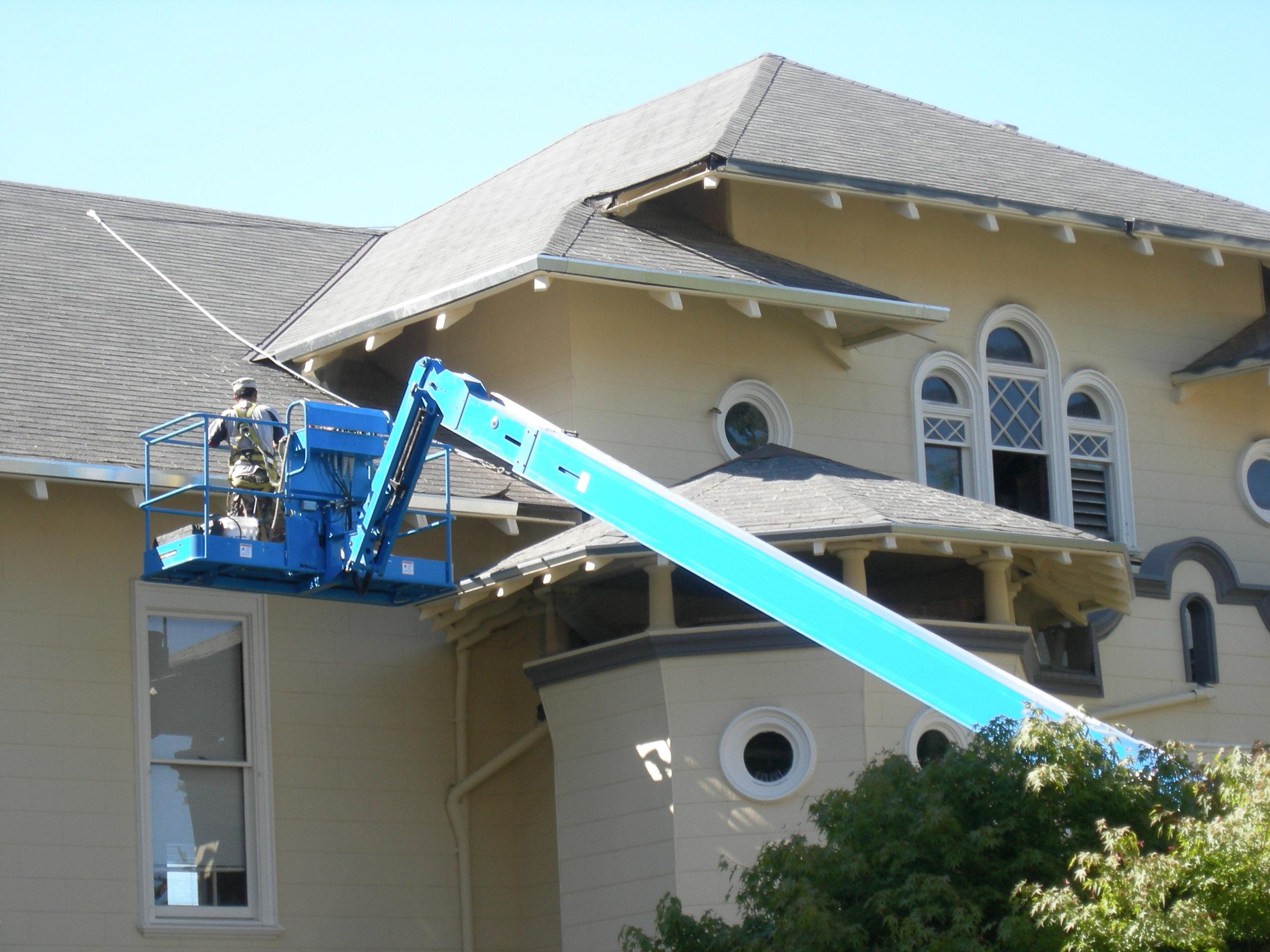 Seattle_-_old_Summit_School_roof_repairs