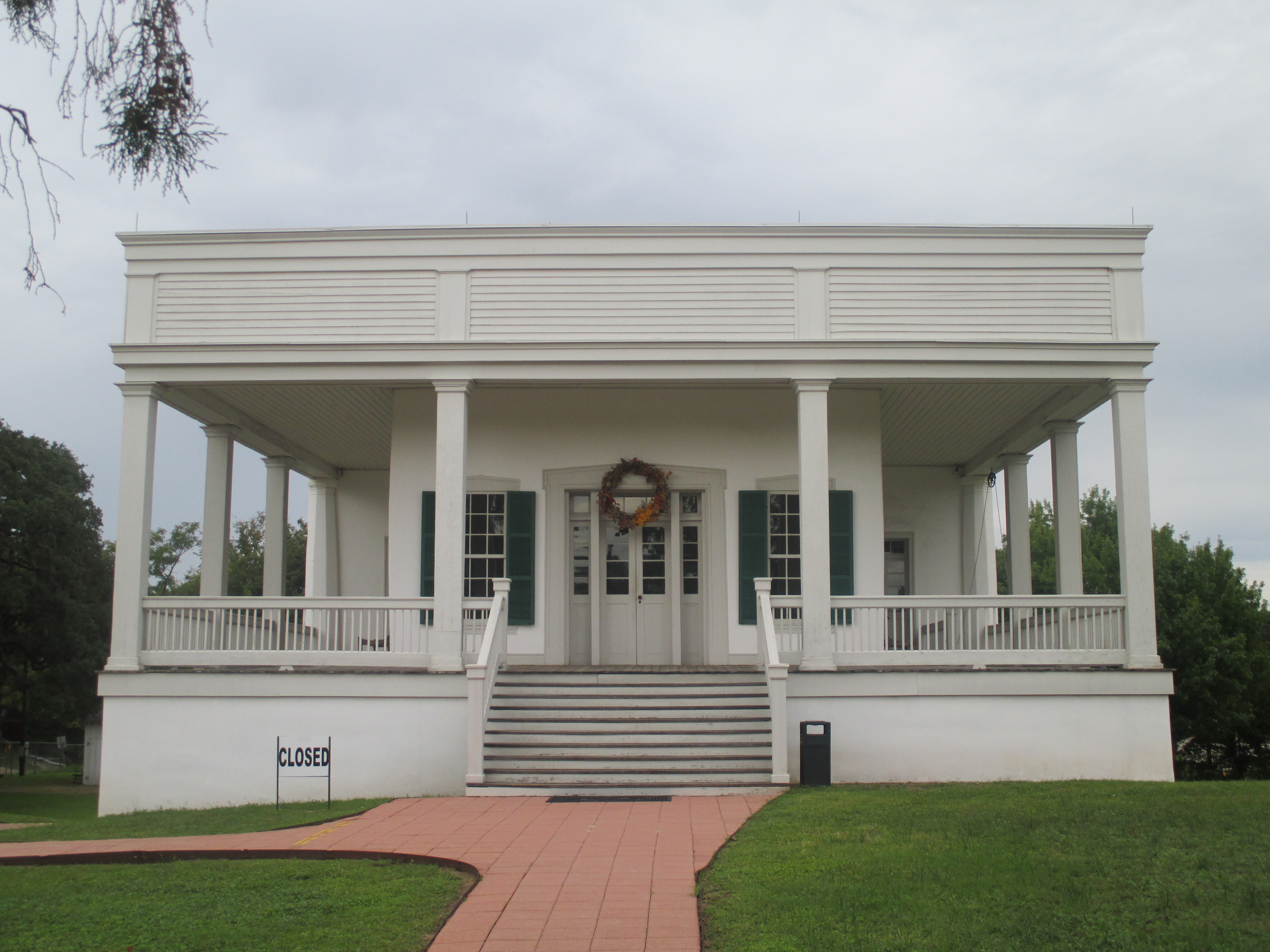 File Sebastopol House Seguin Tx Img 8182 Jpg Wikimedia