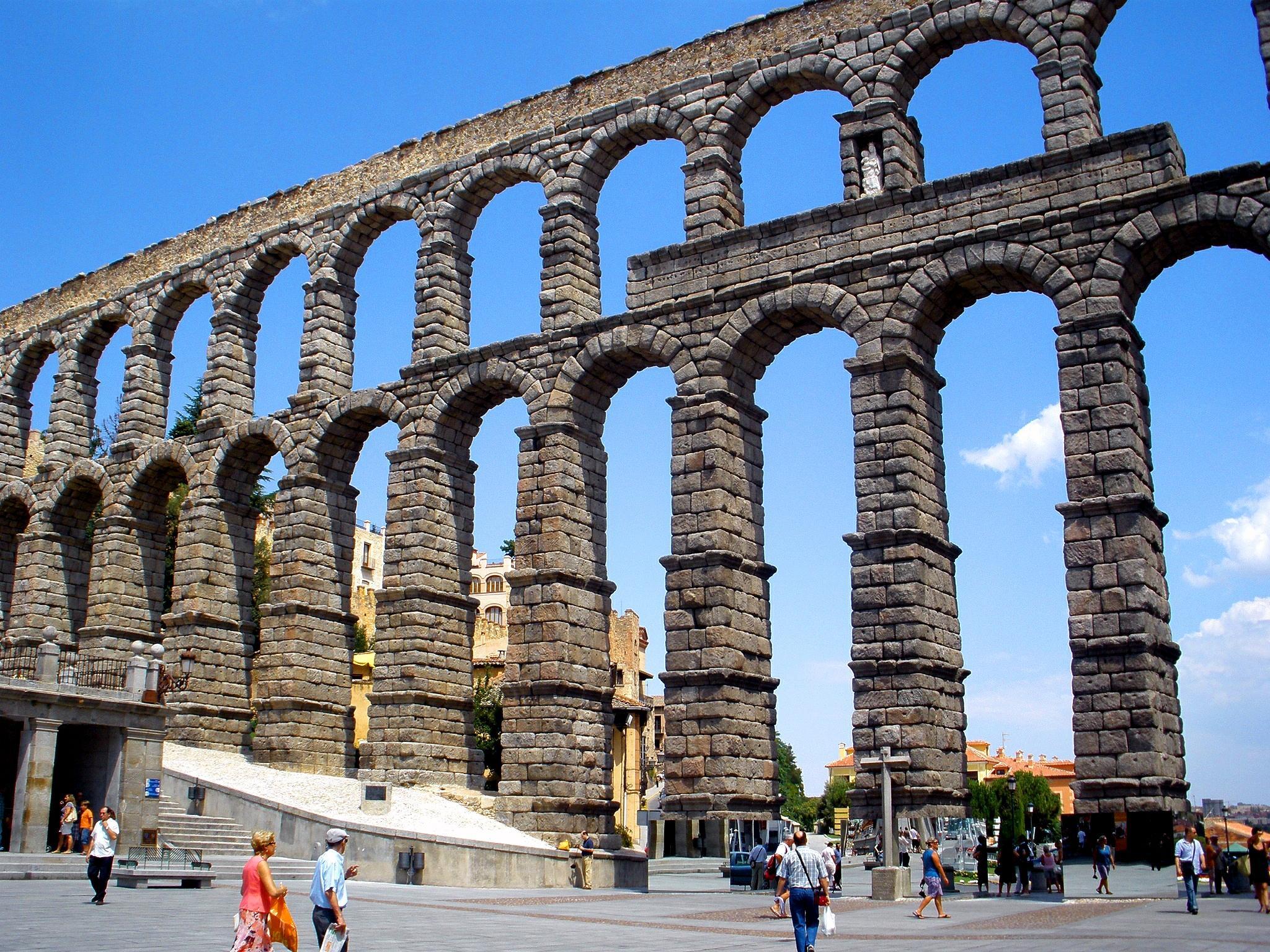 File segovia acueducto wikimedia commons - Maderas hispania ...