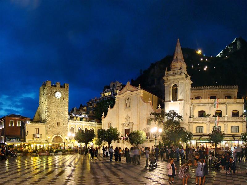 File:Sicilia Taormina4 tango7174.jpg