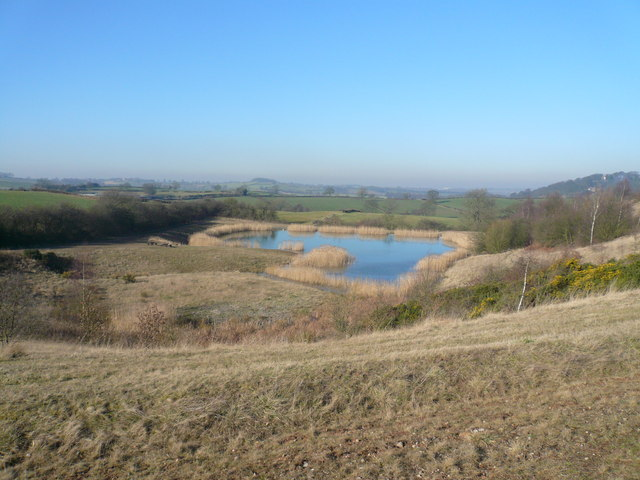 Silverhill Wood Country Park - Pond View - geograph.org.uk - 688289