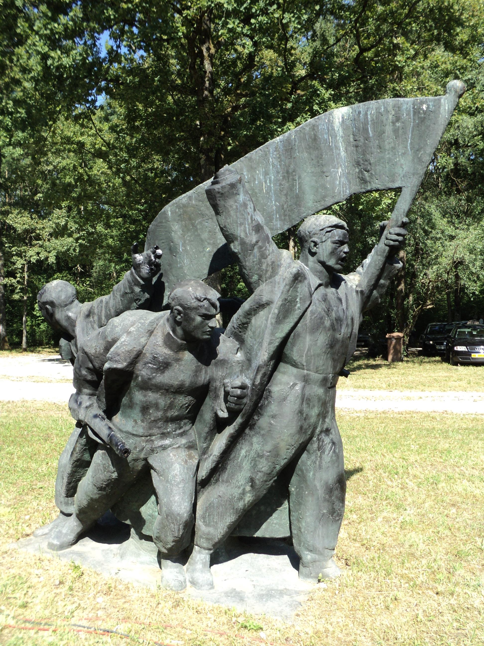 Priopcenje U Povodu Otuđenja Spomenika Ustanak Akdemika Frane Krsinica