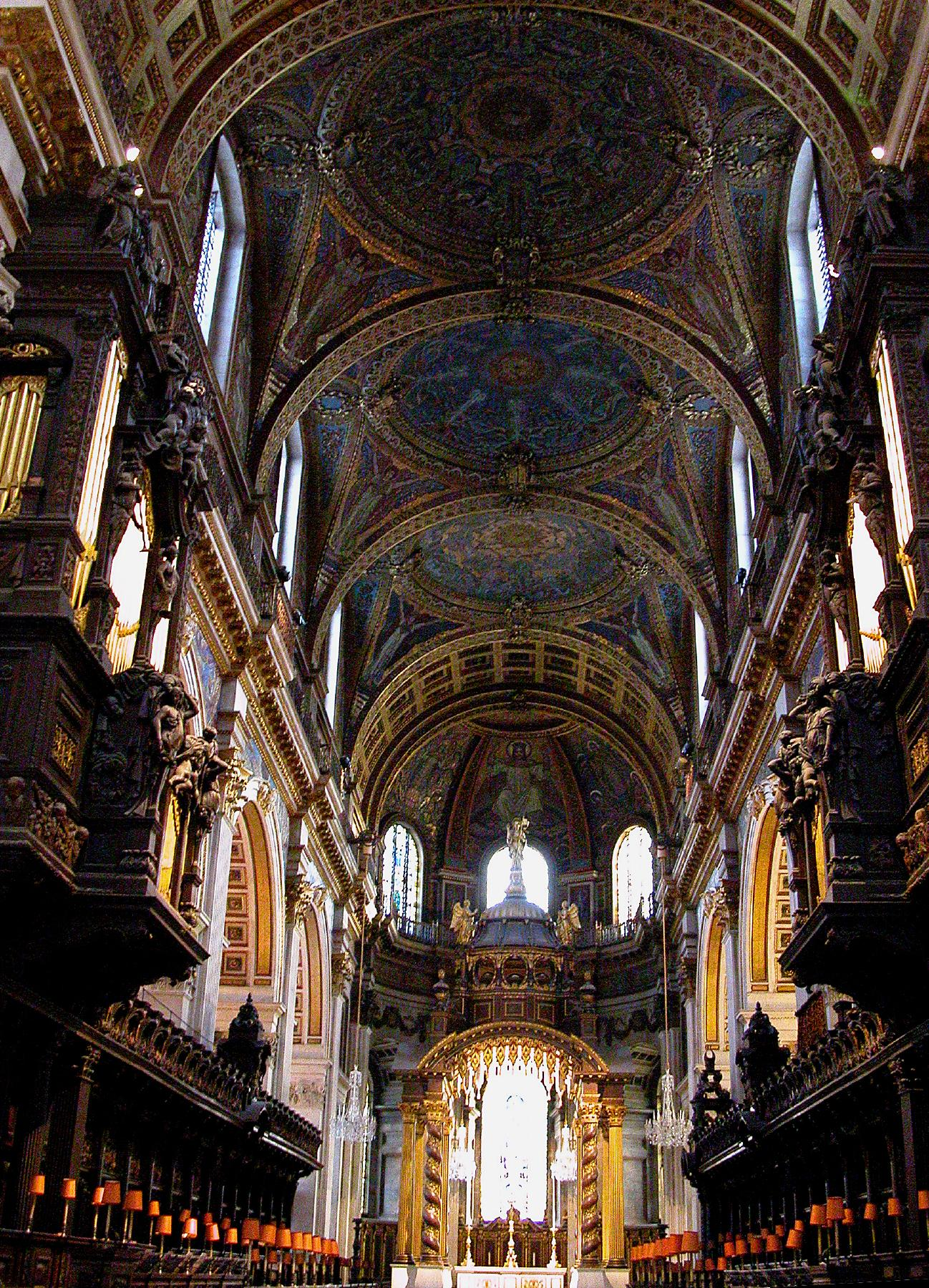 File:St Paul's Cathedral Choir looking east, London, UK - Diliff.jpg