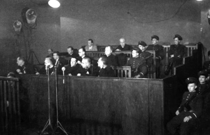 Plik:Stalinizm - proces Kurii Krakowskiej (1953).jpg