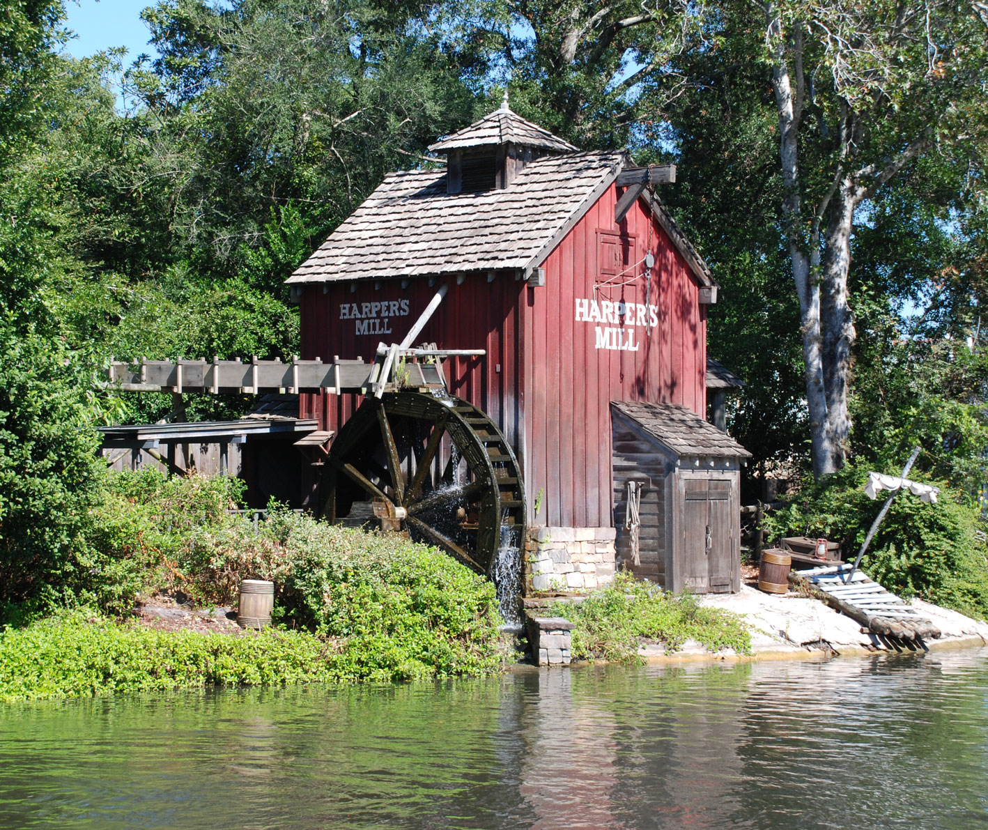 disney magic kingdom tom sawyer island nap
