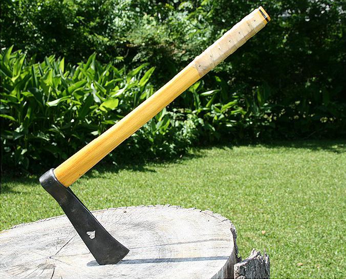 blades in the bush tomahawk