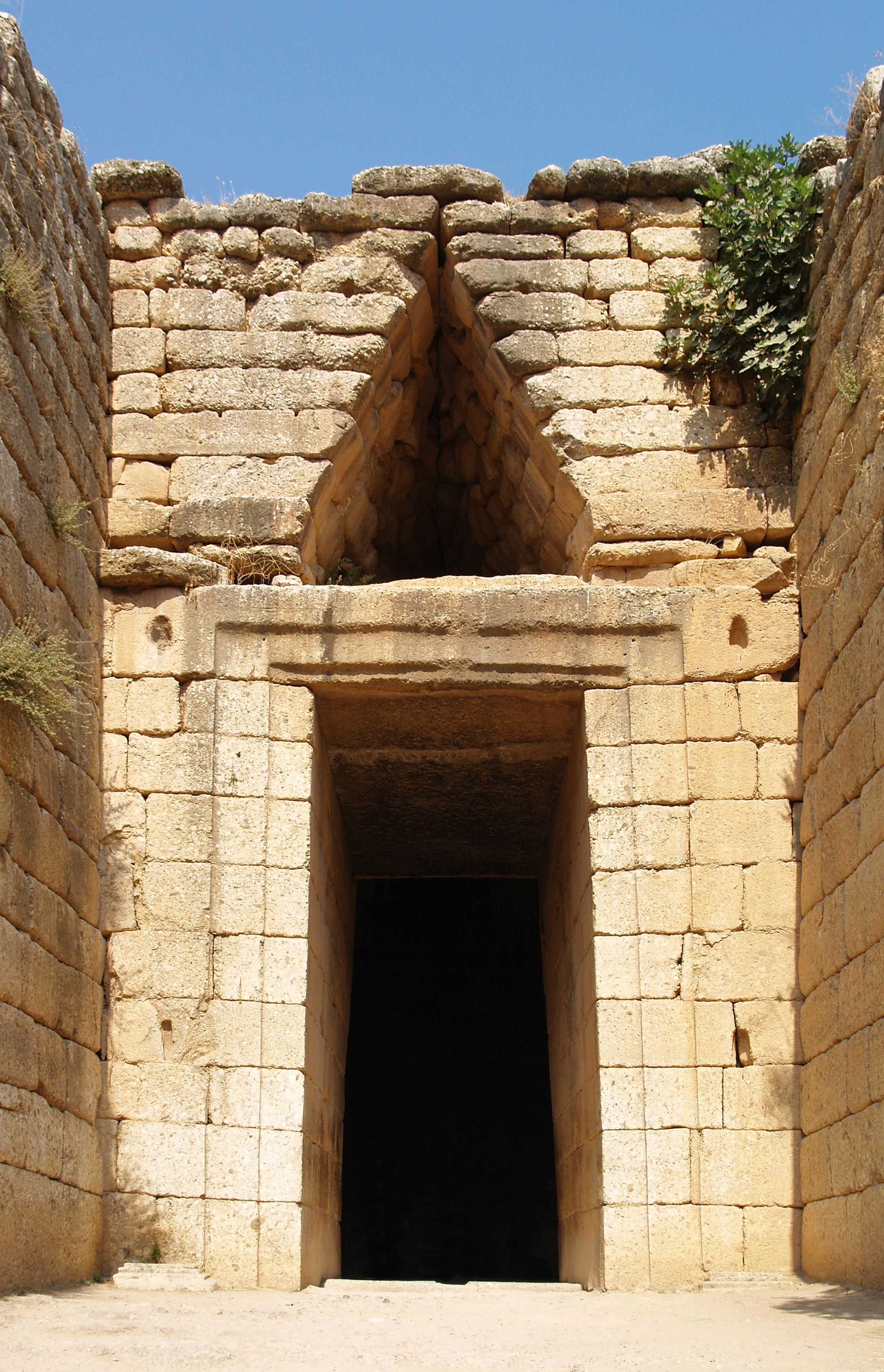 external image Treasury_of_Atreus_Entrance_Mycenae.jpg