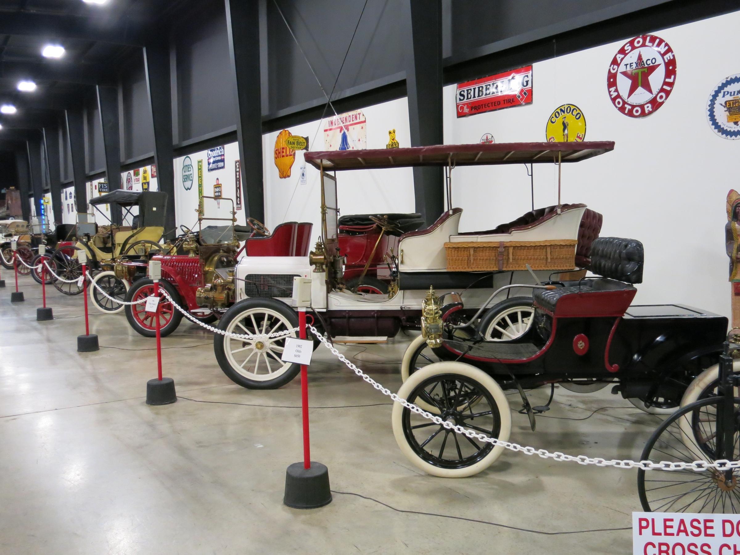 FileTupelo Automobile Museum Jpg Wikimedia Commons - Tupelo car show