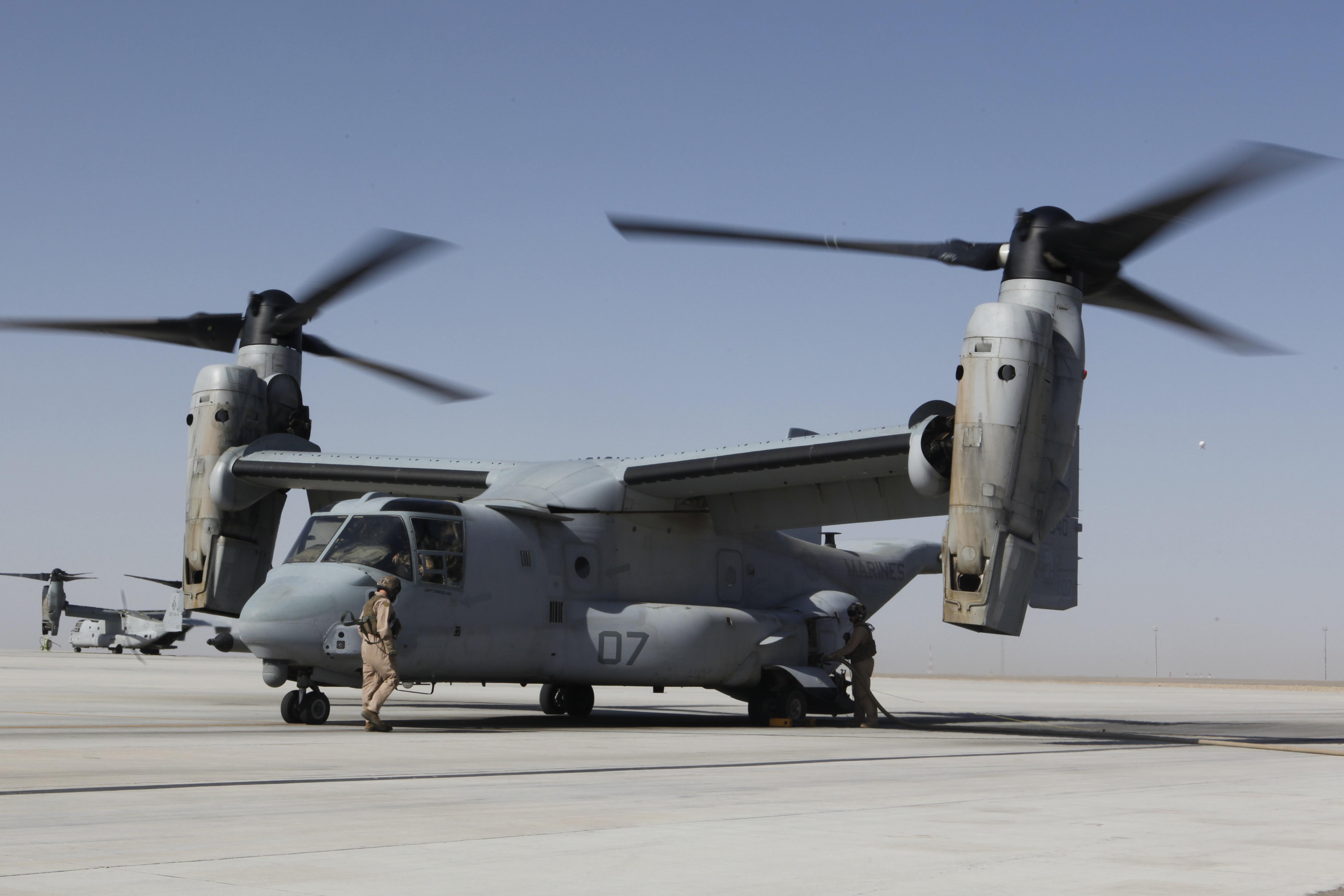 File:U.S. Marines with Marine Medium Tiltrotor Squadron ...