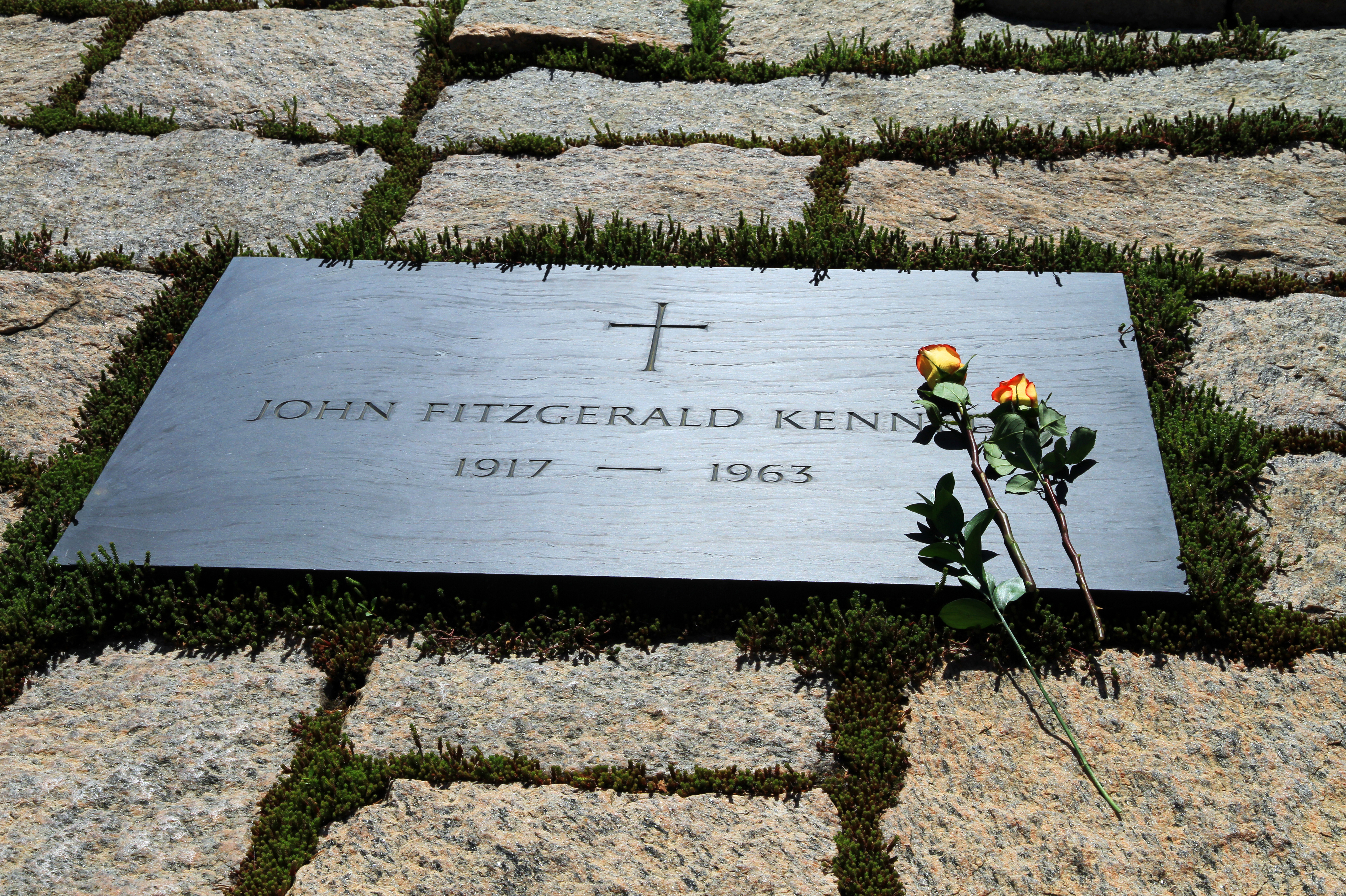 arlington national cemetery memorial day pictures