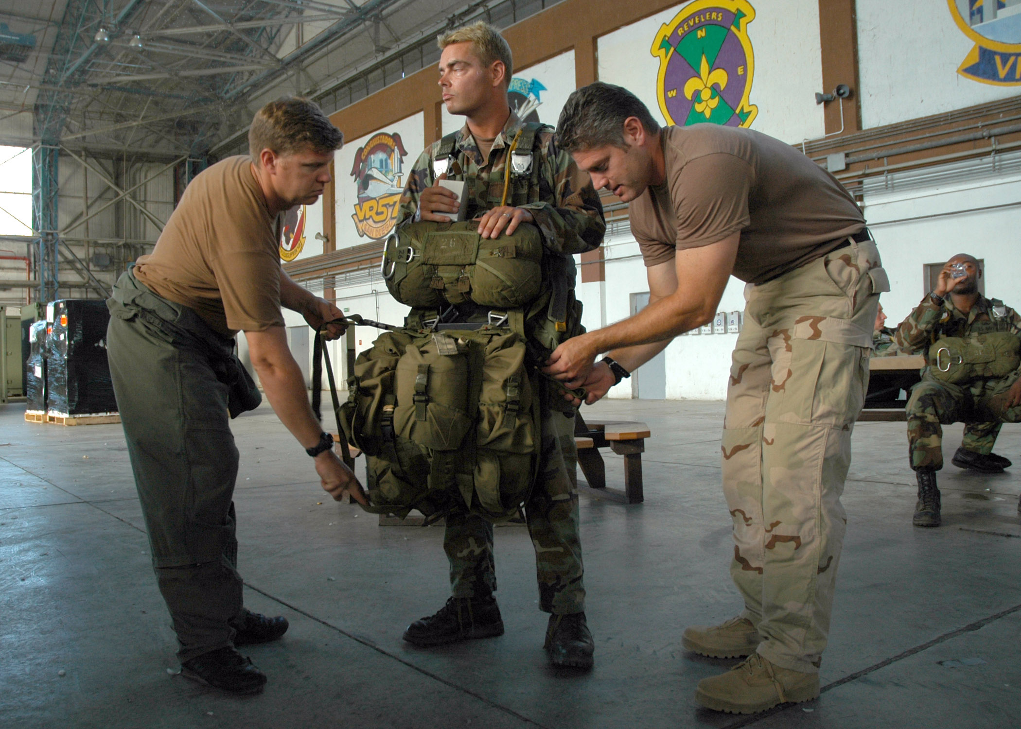 File:US Navy 060828-N-0577G-003 Aircrew Survival Equipmentman 1st ...