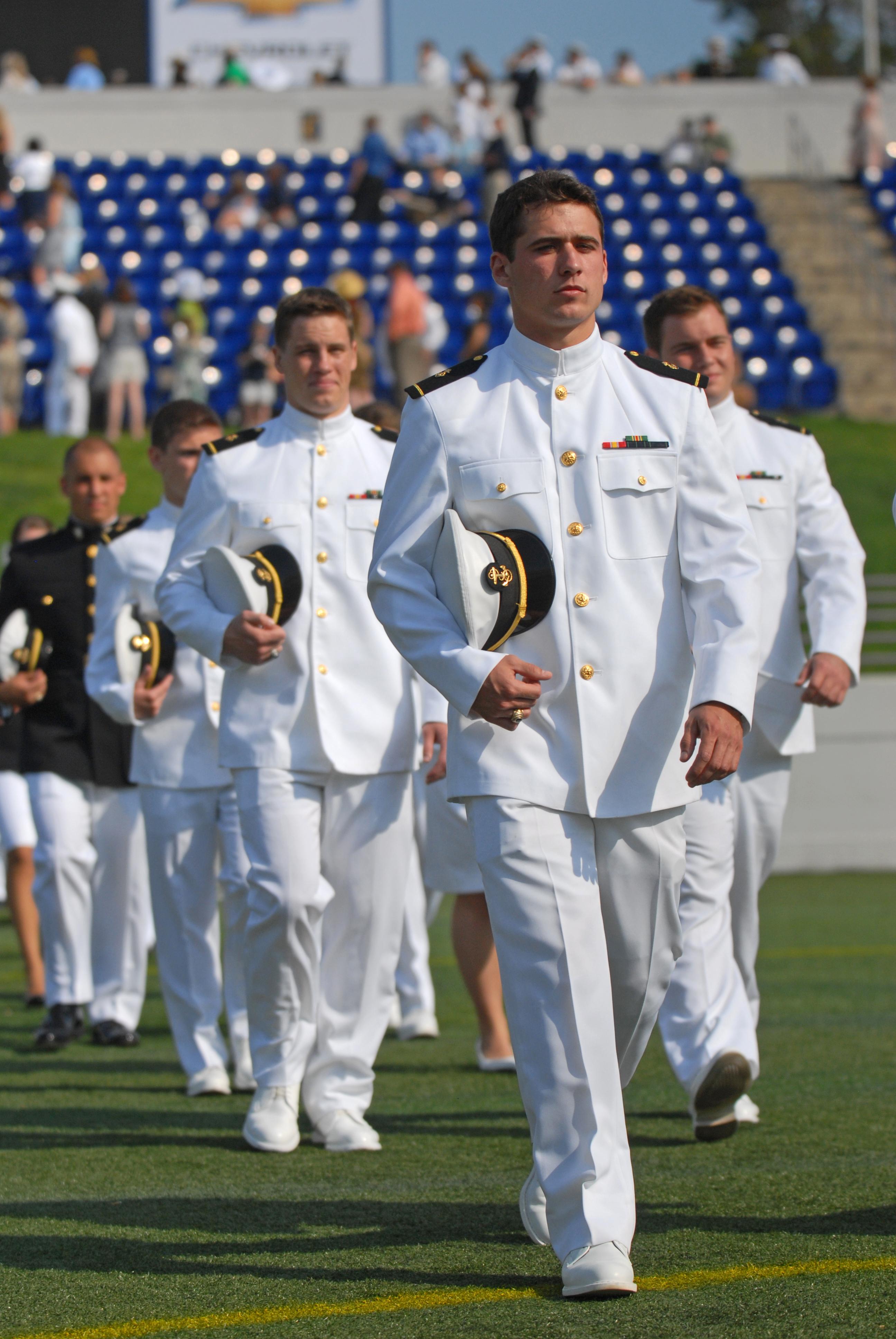 Description US Navy 110527-N-OA833-003 Midshipmen proceed to their