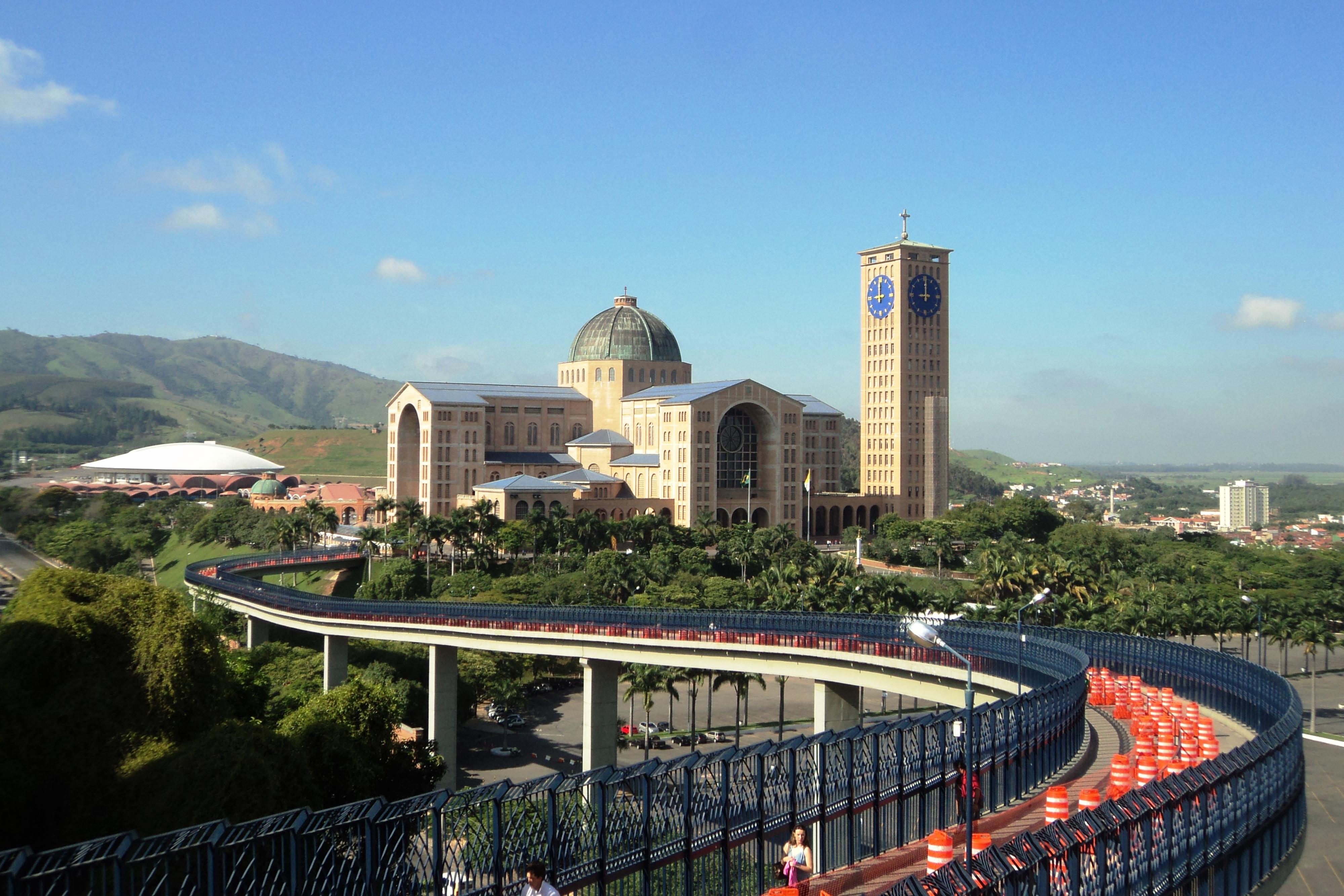 File:Vista da Basílica de Nossa Senhora Aparecida ...