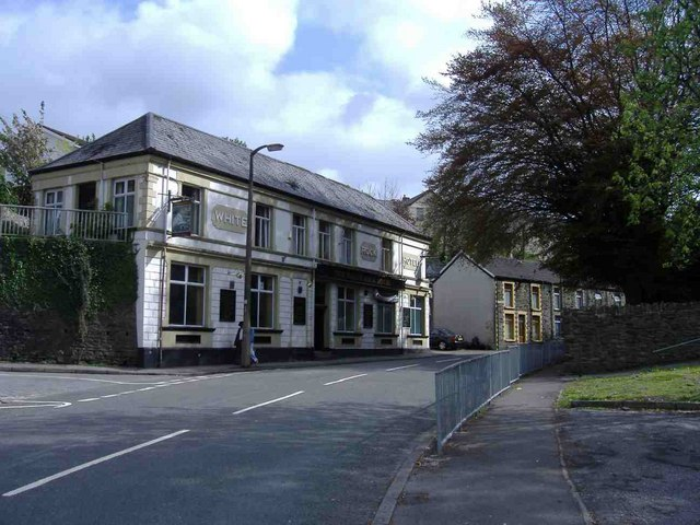 White Rock Hotel, Dinas Road, Penygraig